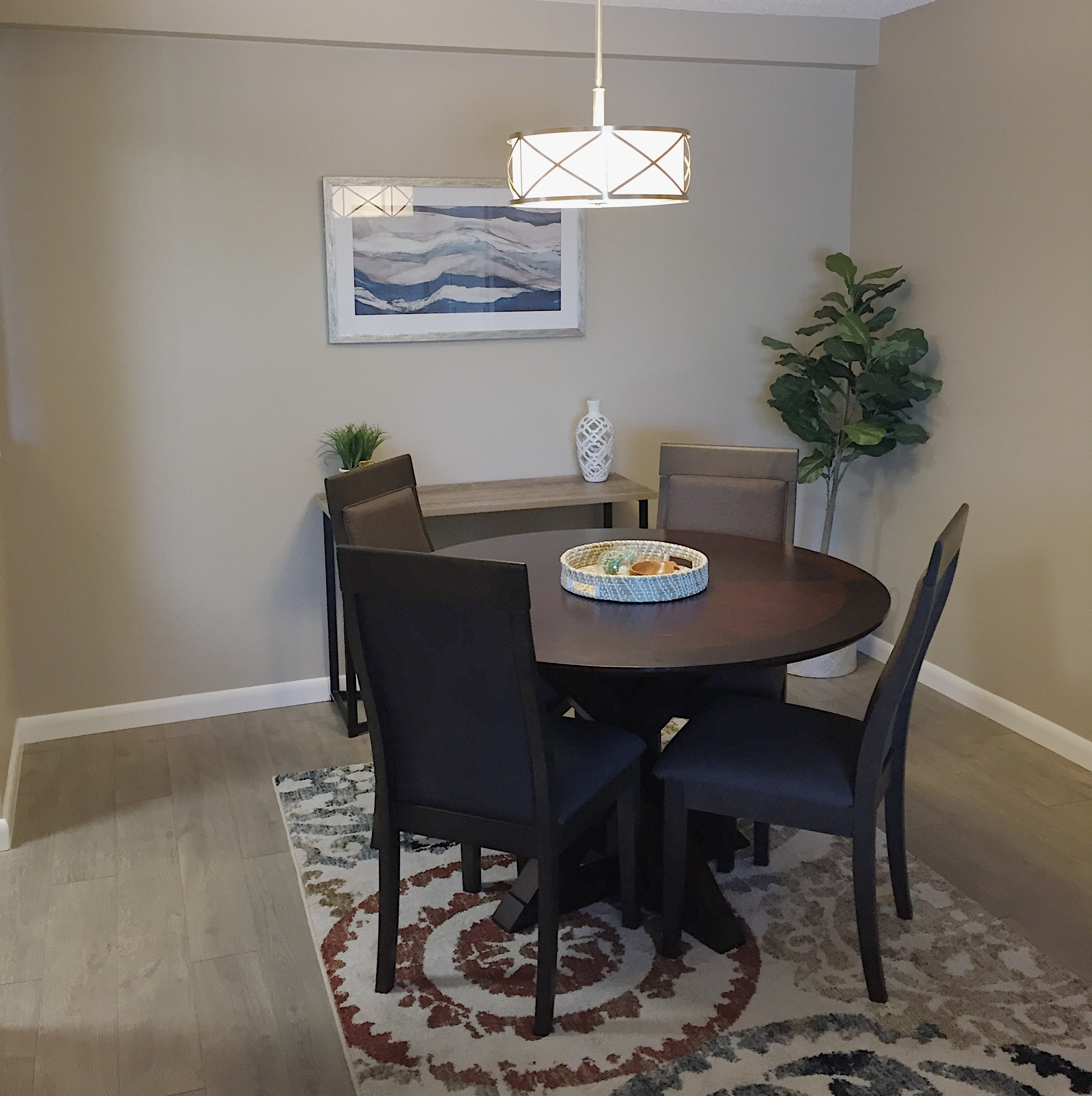 Melody Drive | Dining Room