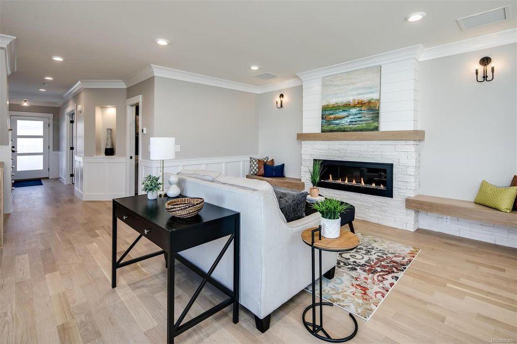 Sherman Street B | Living Room
