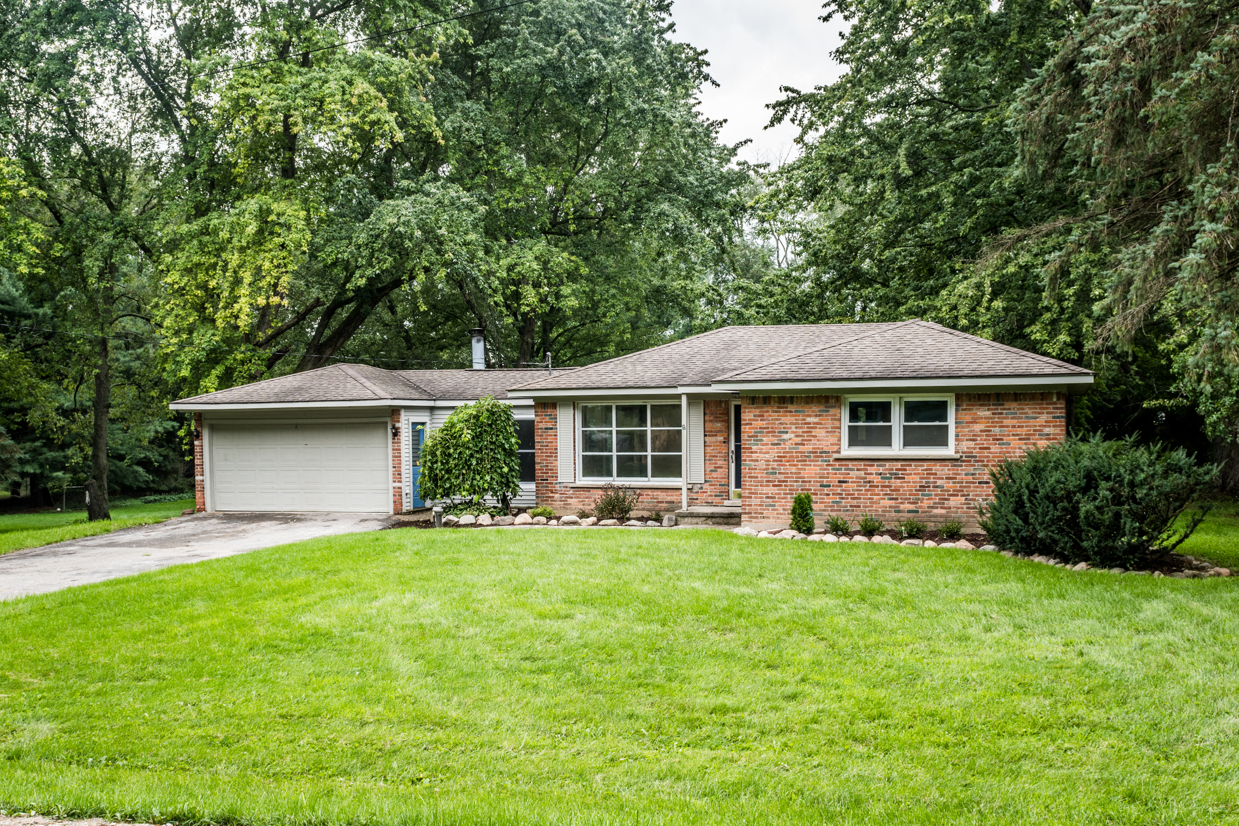 Post Lane- South Lyon - $181,000   DOM 17 / Sold for 97% of asking price / 35 Showings