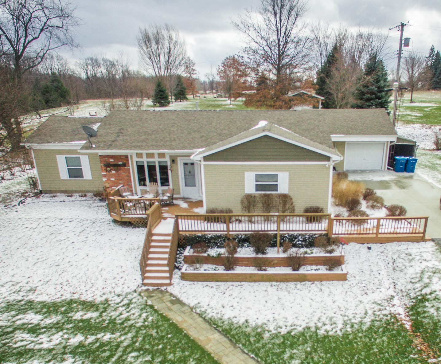 Linden- Fenton - $178,000   DOM 39 / Sold for 99% of asking price / 14 Showings