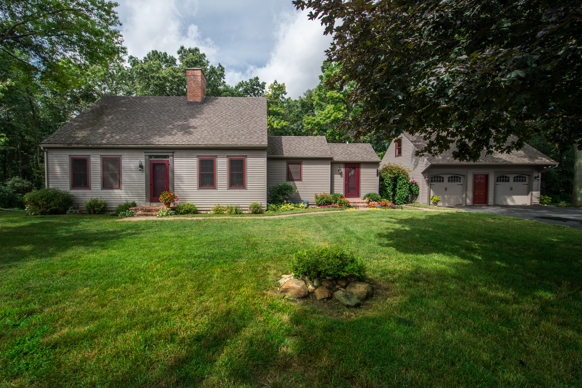 Pinebrook Lane- South Lyon - $425,000   DOM 53 / Sold for 100% of asking price / 16 Showings