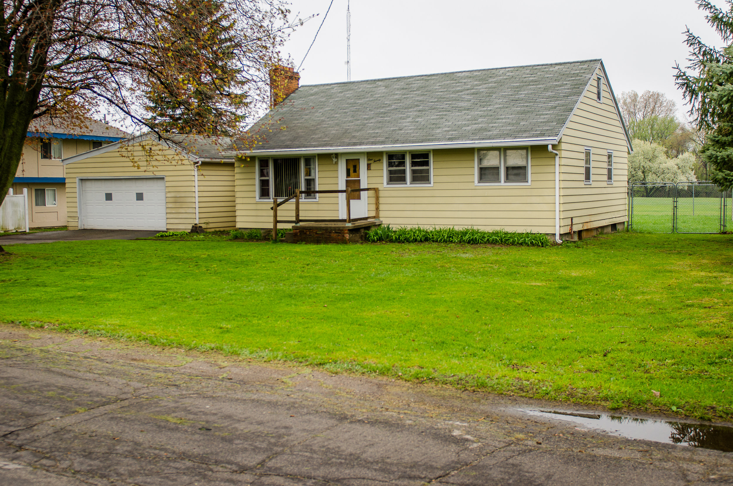 E. Grove- Grass Lake - $105,000   DOM 5 / Sold for 96% of asking price / 3 Showings
