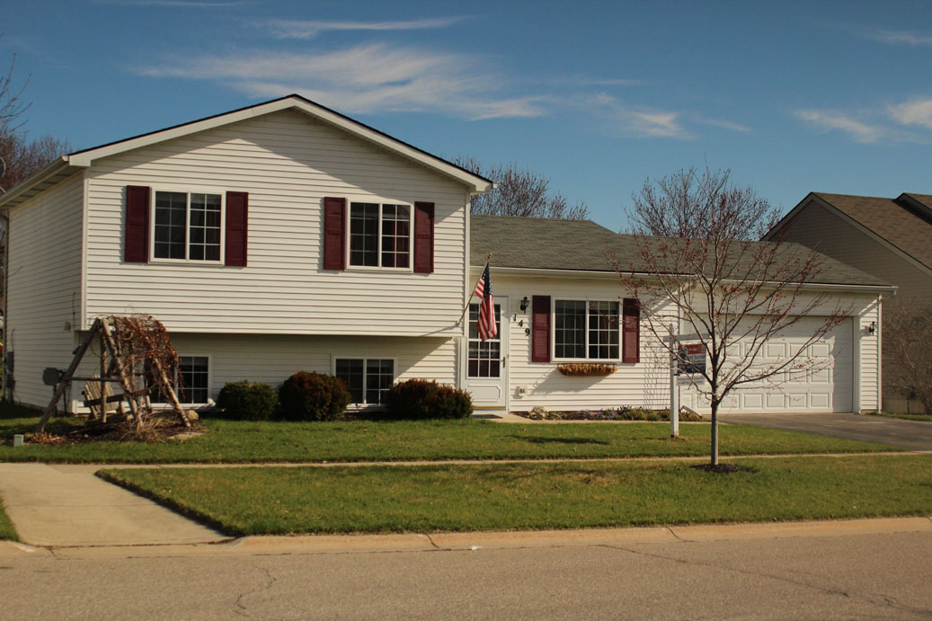 Coyote Court- Pinckney - $159,000   DOM 6 / Sold for 100% of asking price / 5 Showings