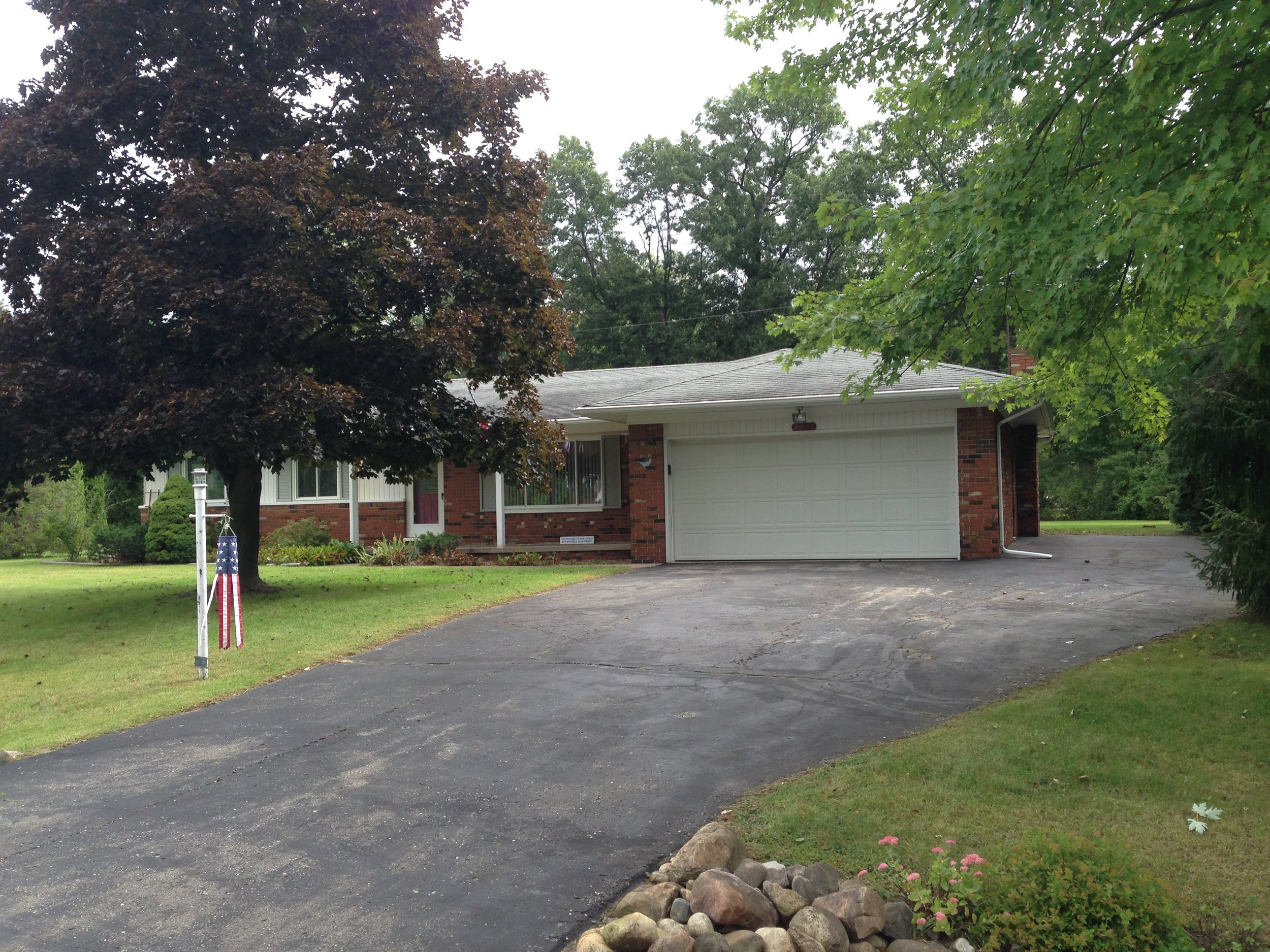 Village Square- Brighton - $175,500   DOM 18 / Sold for 98% of asking price / 9 Showings