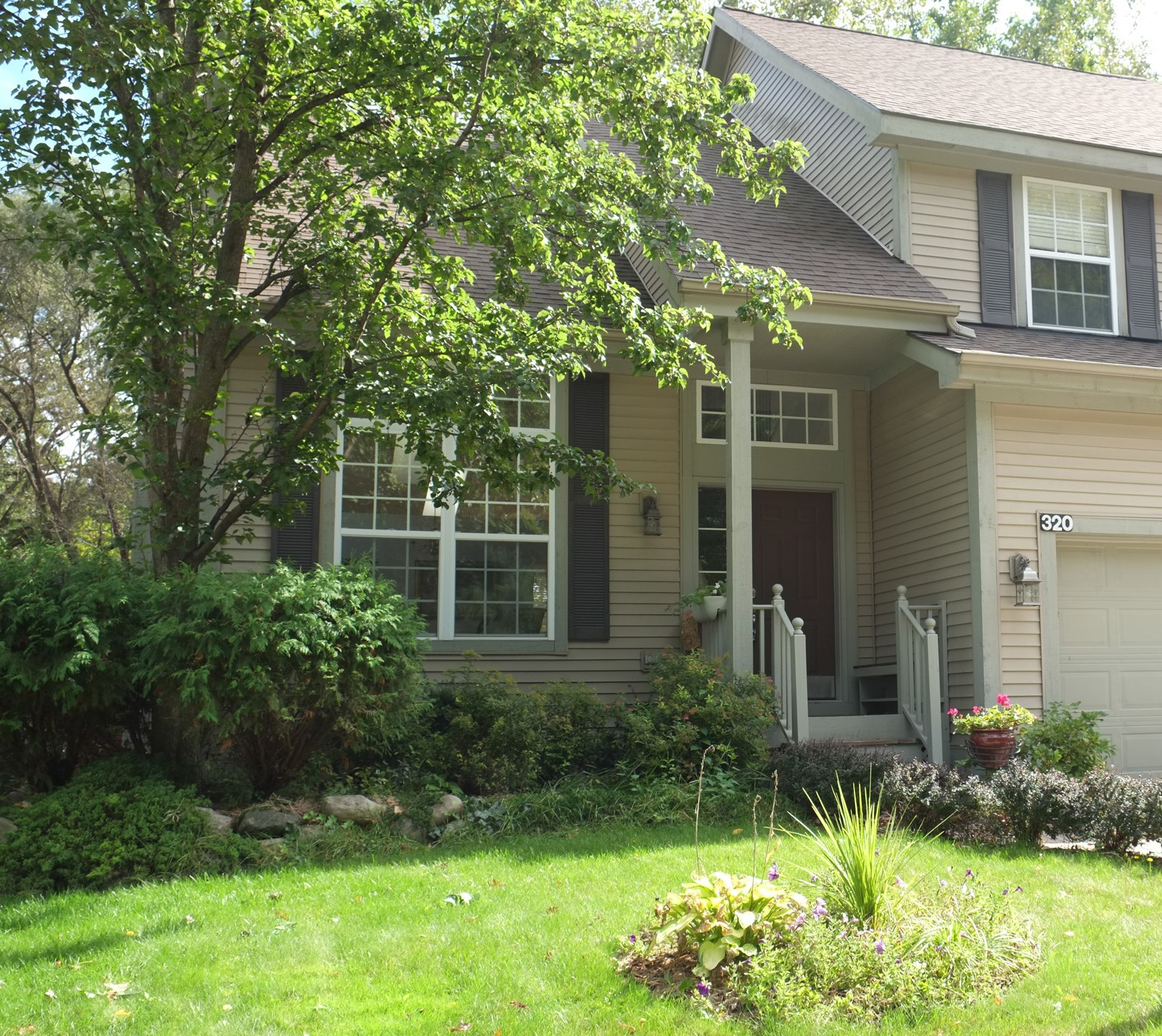 Lake Forest- Waterford - $174,000   DOM 31 / Sold for 97% of asking price / 8 Showings