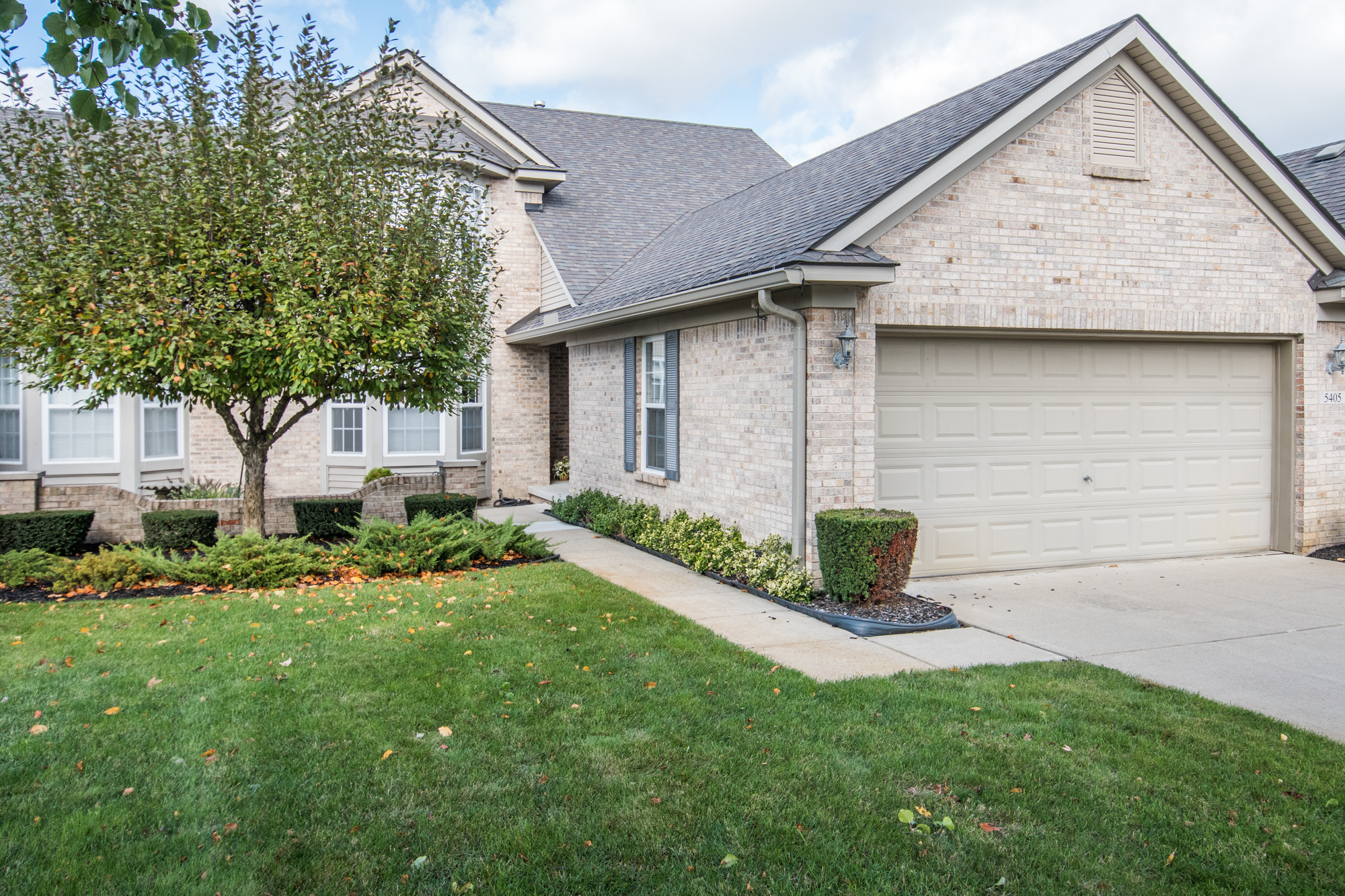 Ivy Court, Howell - $257,200   DOM 209 / Sold for 97% of asking price / 37 Showings