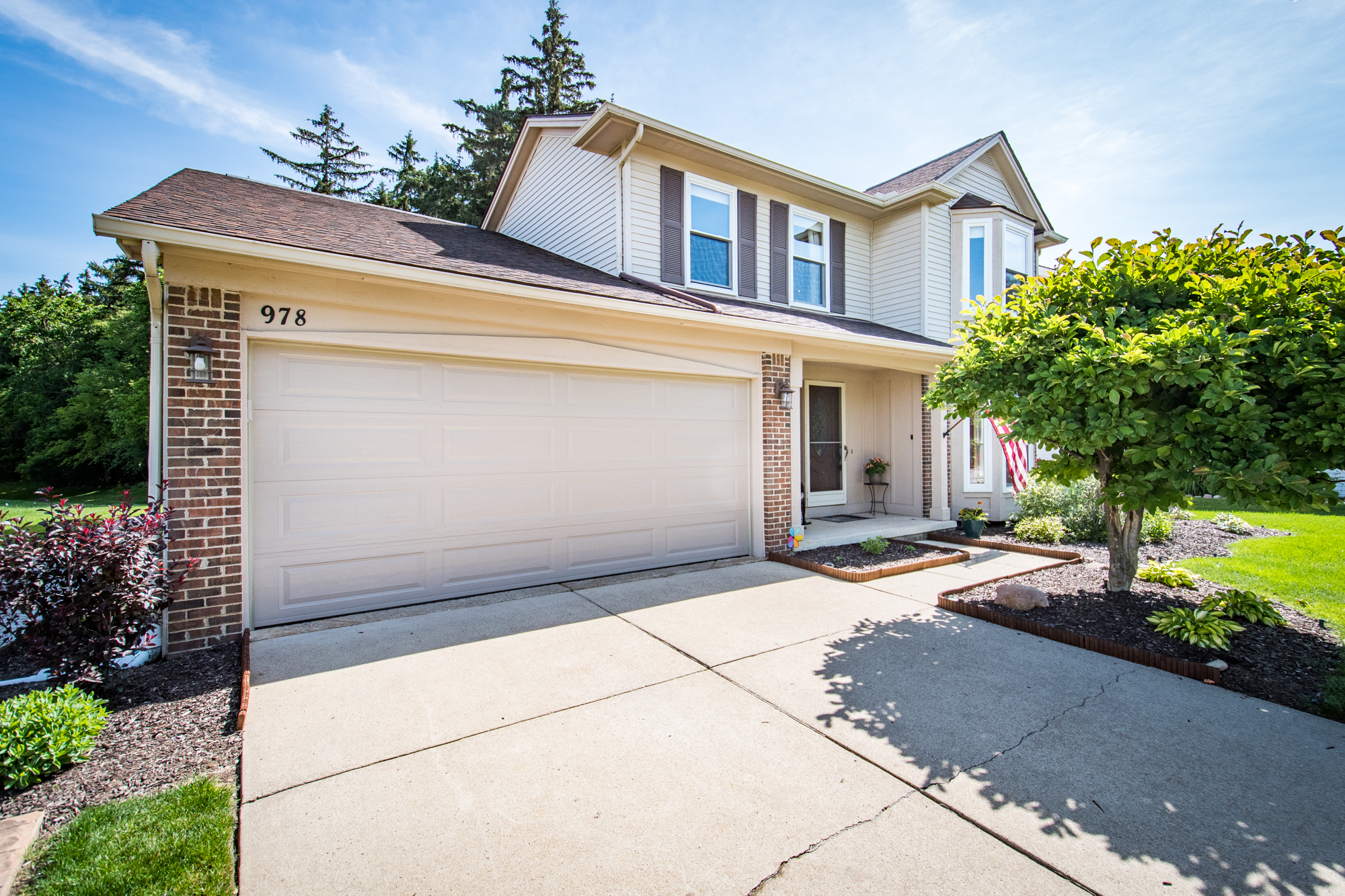 Westbrooke Drive, South Lyon - $290,000   DOM 38 / Sold for 98% of asking price / 23 Showings