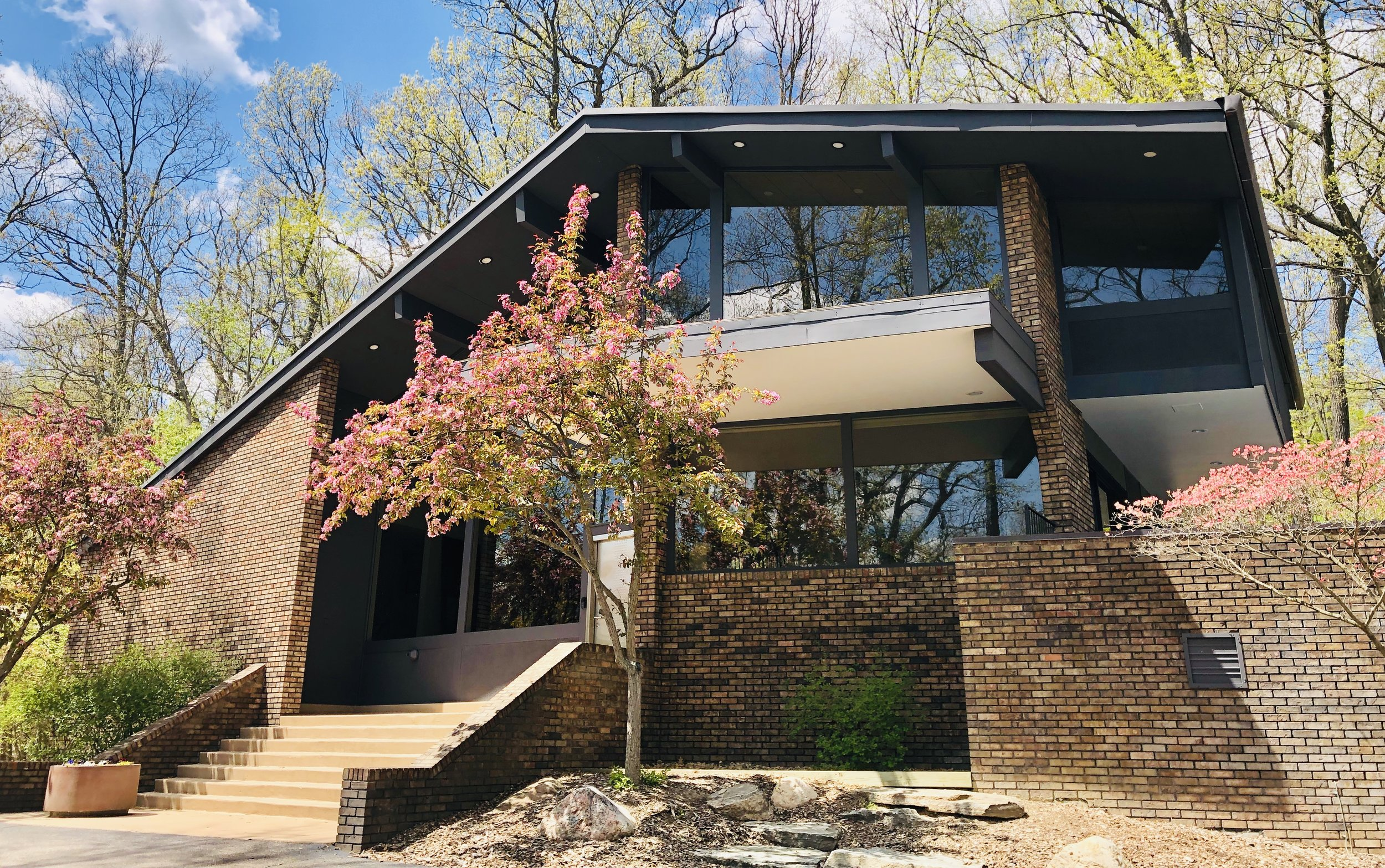 Spring Valley, Ann Arbor - $1,199,000   DOM 49 / Sold for 94% of asking price / 15 Showings