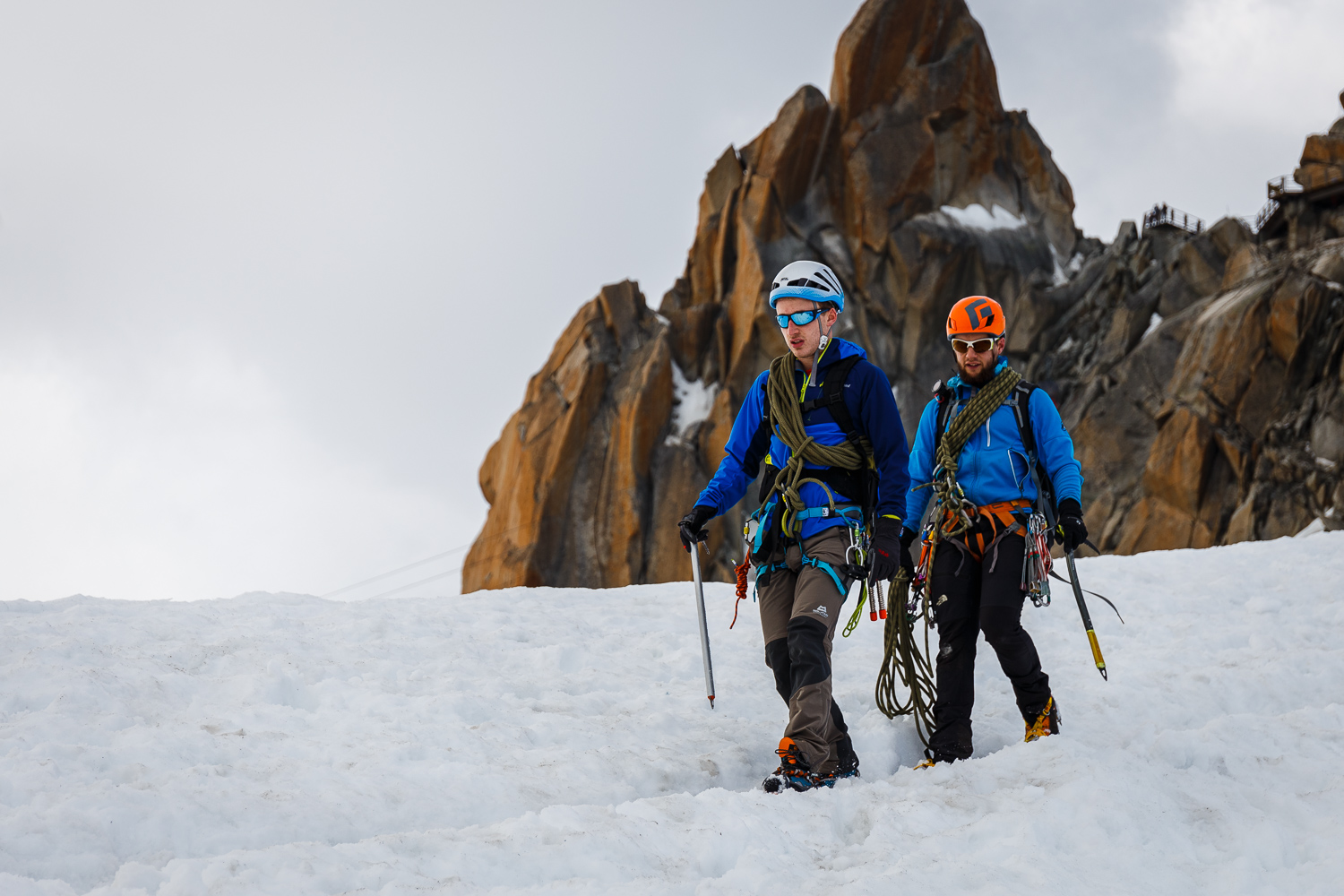 Two of my party heading down the Midi snow arête on our acclimatisation day. Canon 6d, 24-70mm F4L IS @ 70mm, 1/800s, f/4.0, ISO 100.
