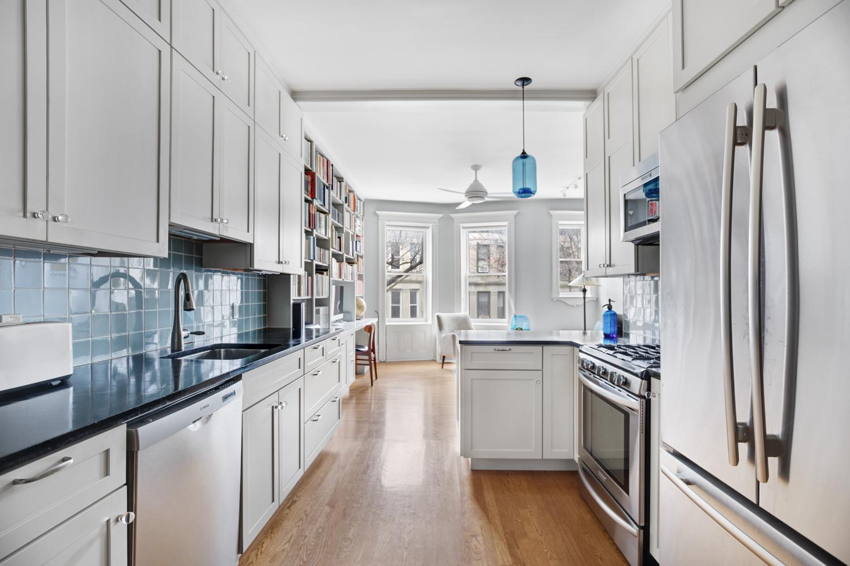 511 8th street, 2r - $950,000 - Park Slope
