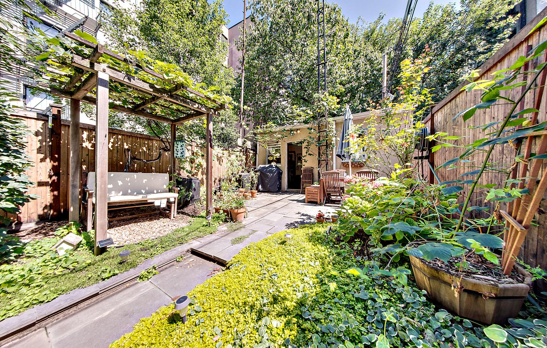 475 clinton street, 1 - $1,250,000 - Carroll Gardens
