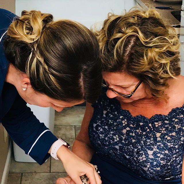Mother & daughter #montaukwedding #surfclub @hamptons_bridalbeauty
