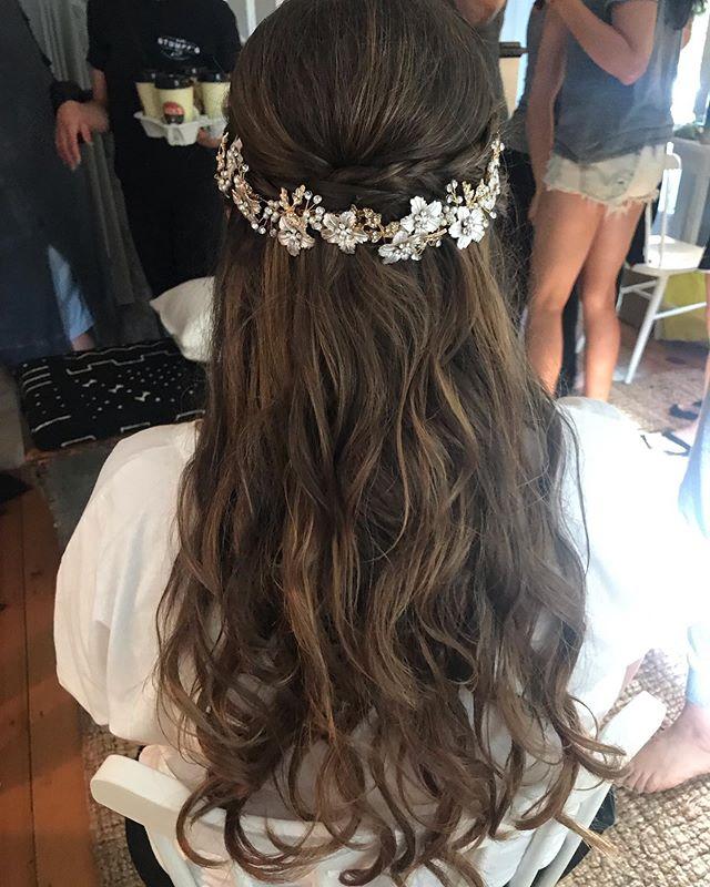 Handmade hair accessory 👌🏻hair by Paula @hamptons_bridalbeauty