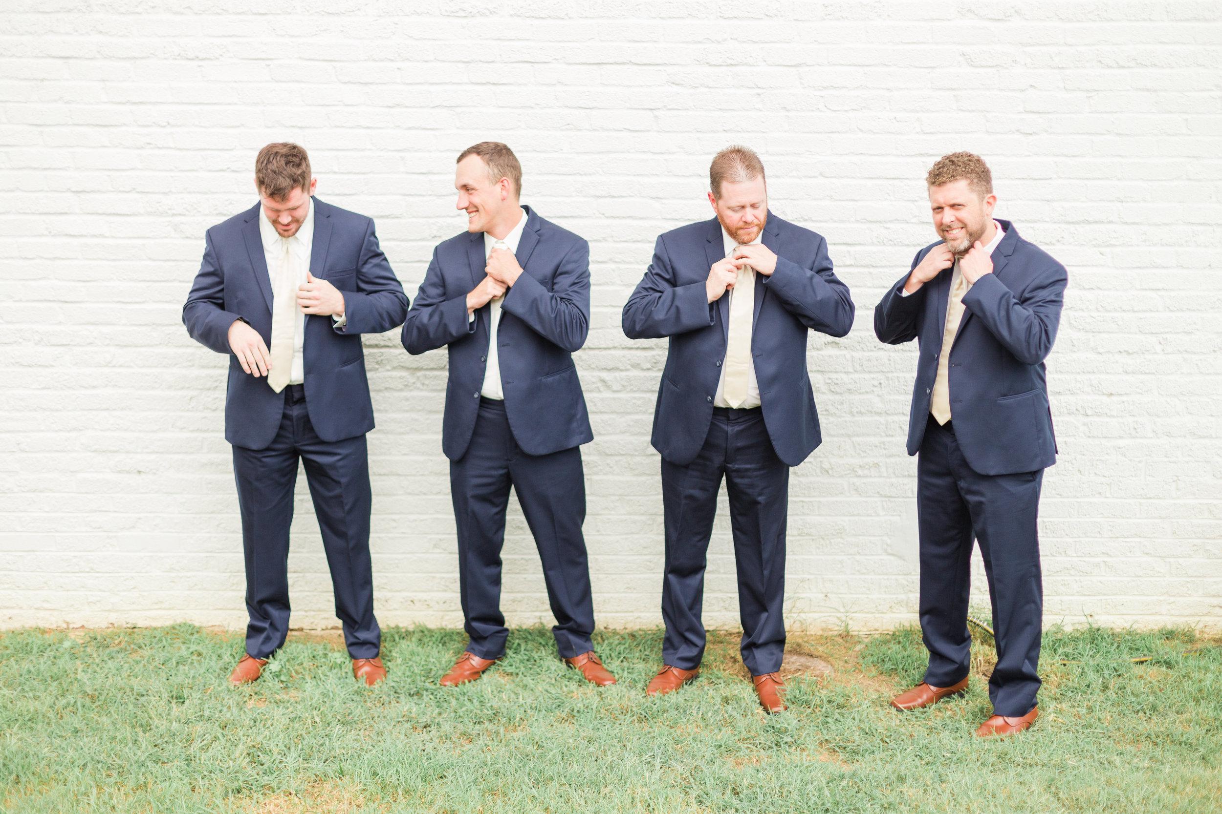 Plantation-On-Sunnybrook-Wedding-Photos_Roanoke-Wedding-Photographer_Jessica-Gre-0058.jpg