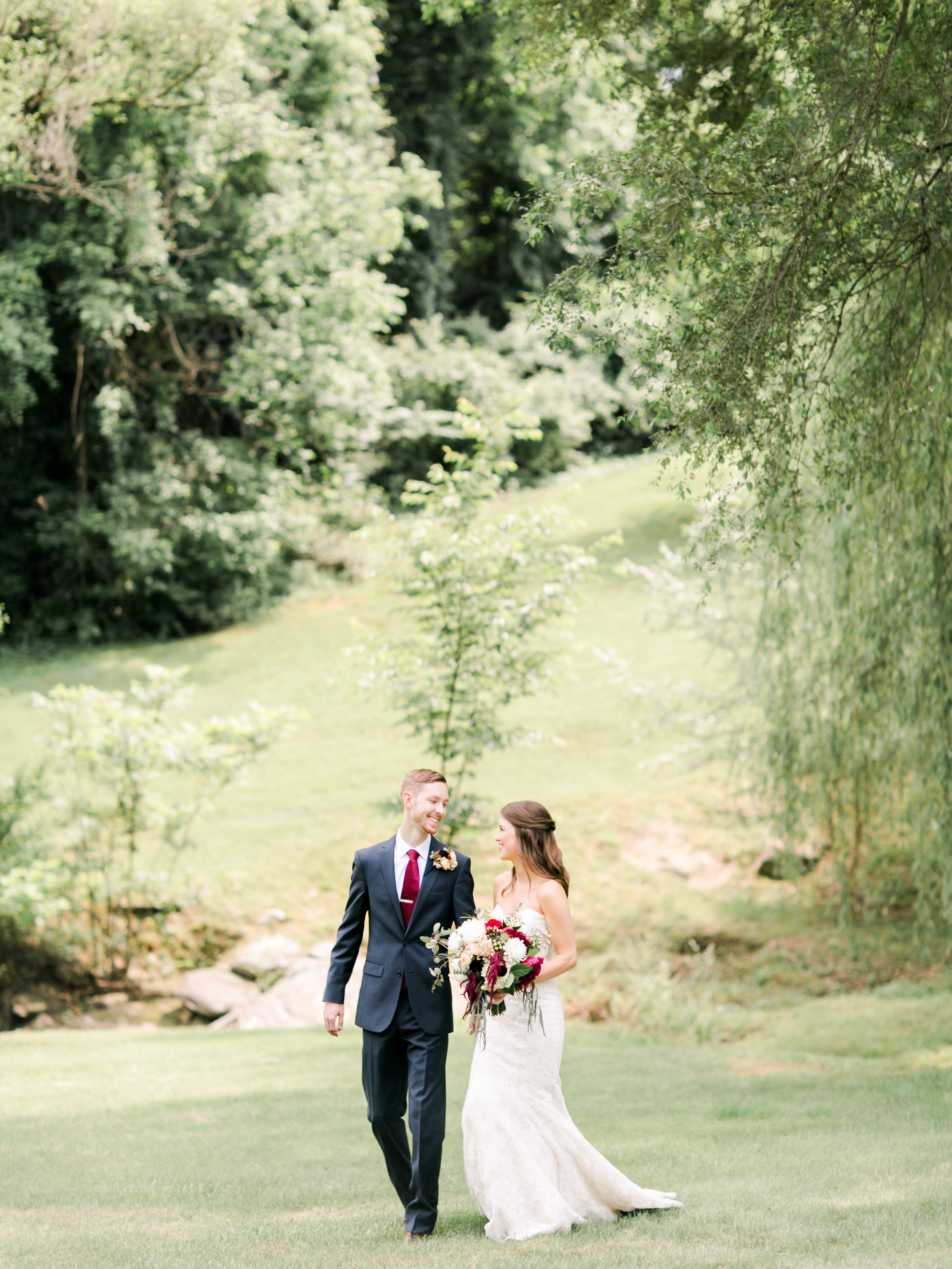 roanoke-virginia-wedding-photographer-plantation-on-sunnybrook-meredith-and-logan-400.jpg