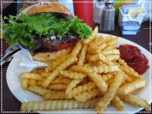 Piner-Cafe-burger.jpg