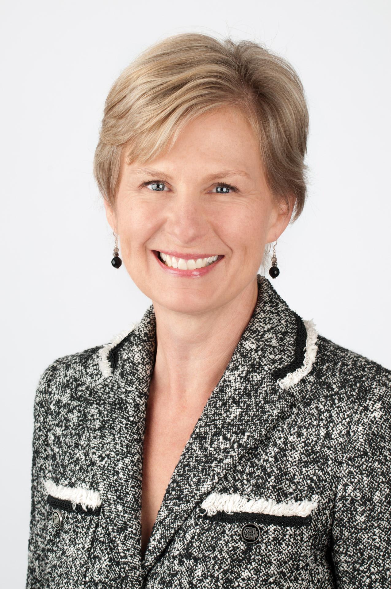 Carolyn Poole Headshot.jpg