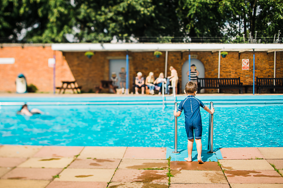 Diana Hagues Photography Freelensing summer adventures -  Bourne Lido.jpg