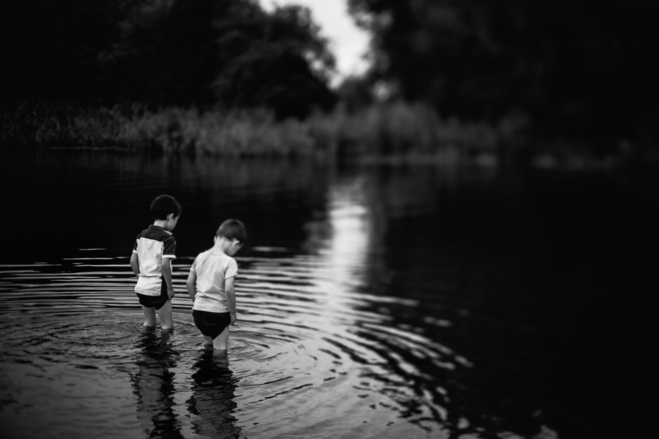 Diana Hagues Photography Freelensing summer adventures -  river dipping.jpg