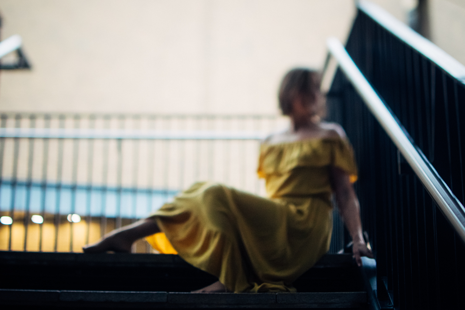 4 Travelling-Mustard-Dress-Cambridge-Photographer-Diana-Hagues.jpg