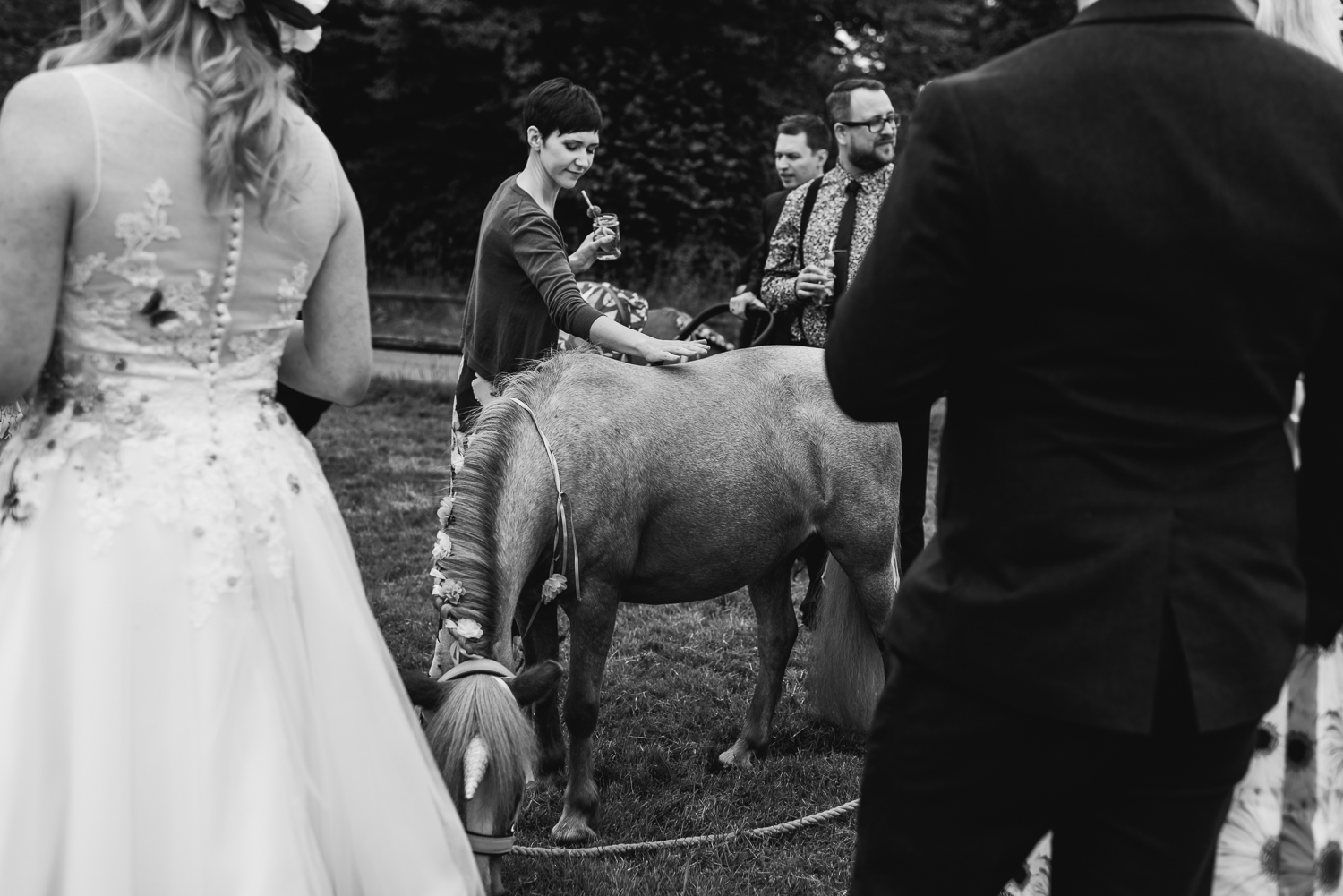 Rutland-Leicestershire-Wedding-Photographers-Unposed-outdoor-photography.jpg