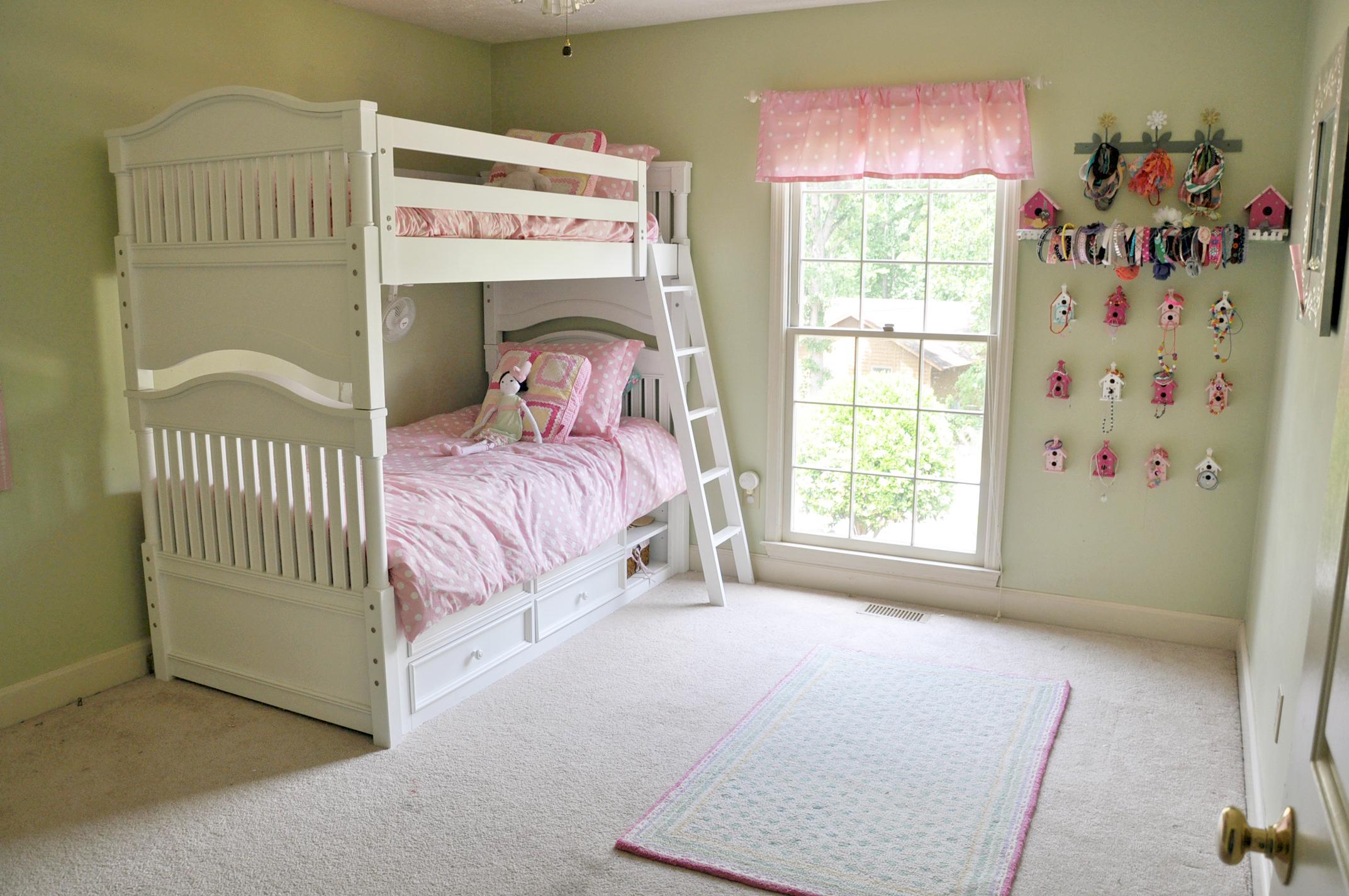 house girls room one.jpg