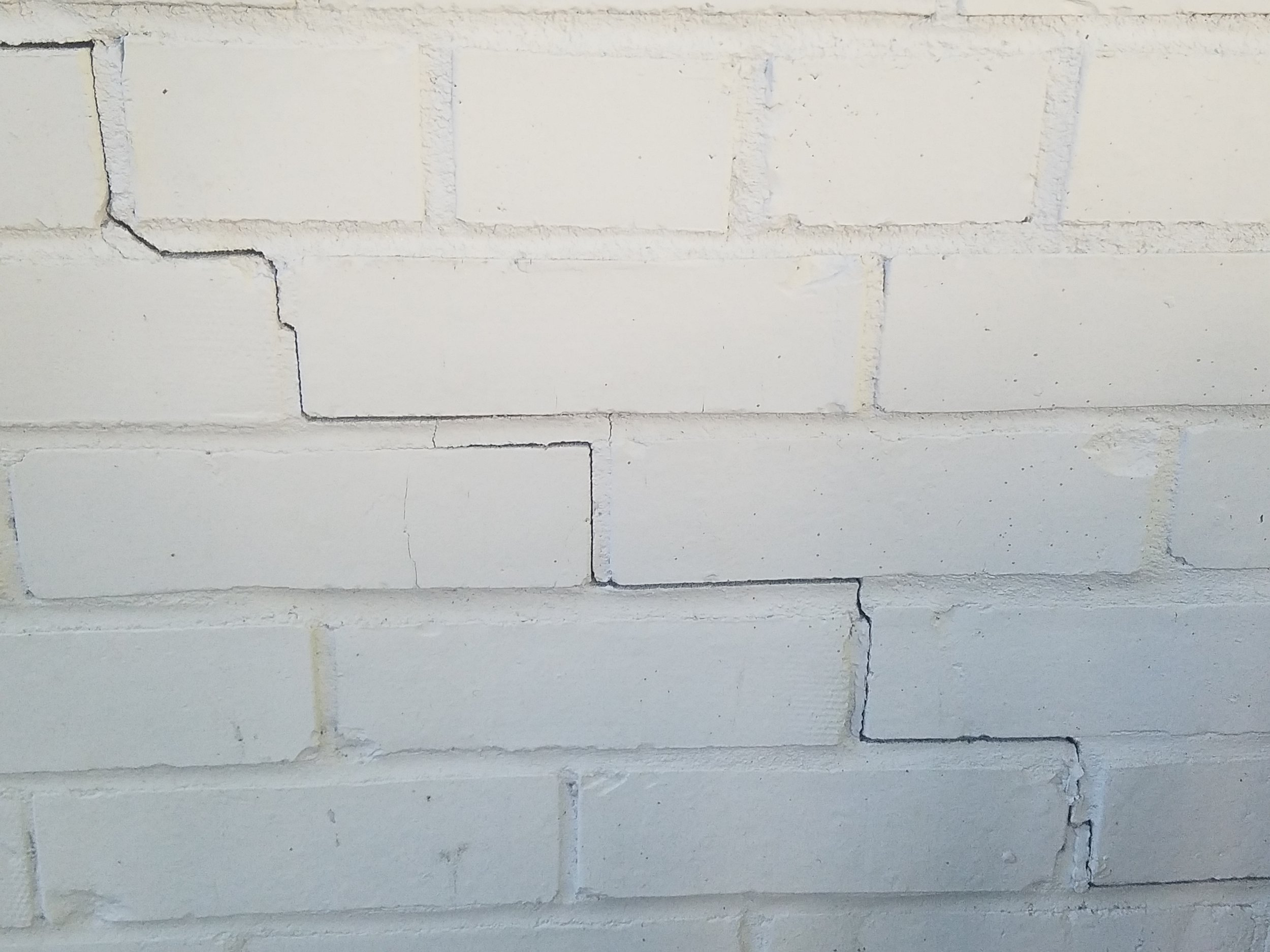 foundation crack 6.jpg