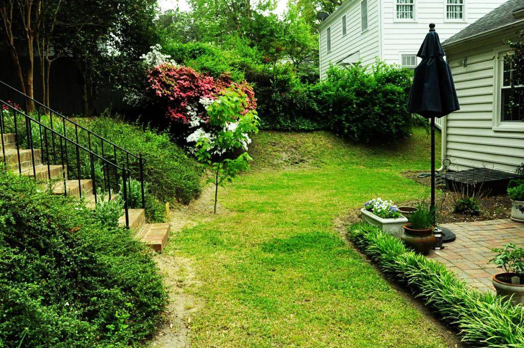 haymount homes westmont yard.jpg