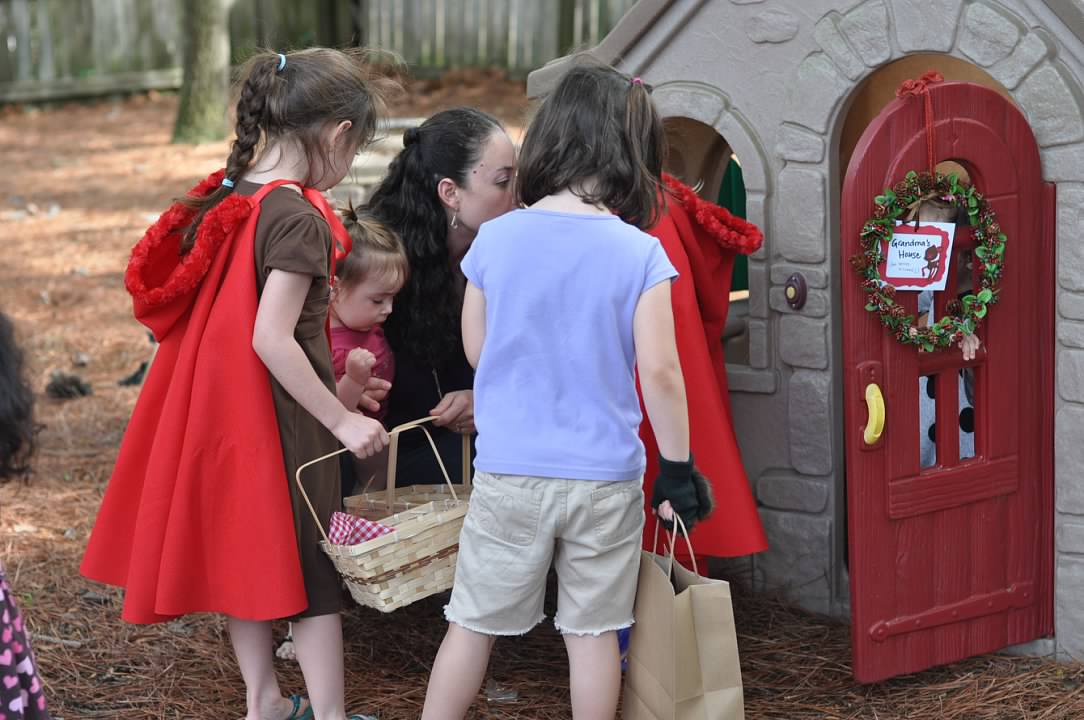 Haymount Homes Little Red Riding Hood Party kids 3.jpg