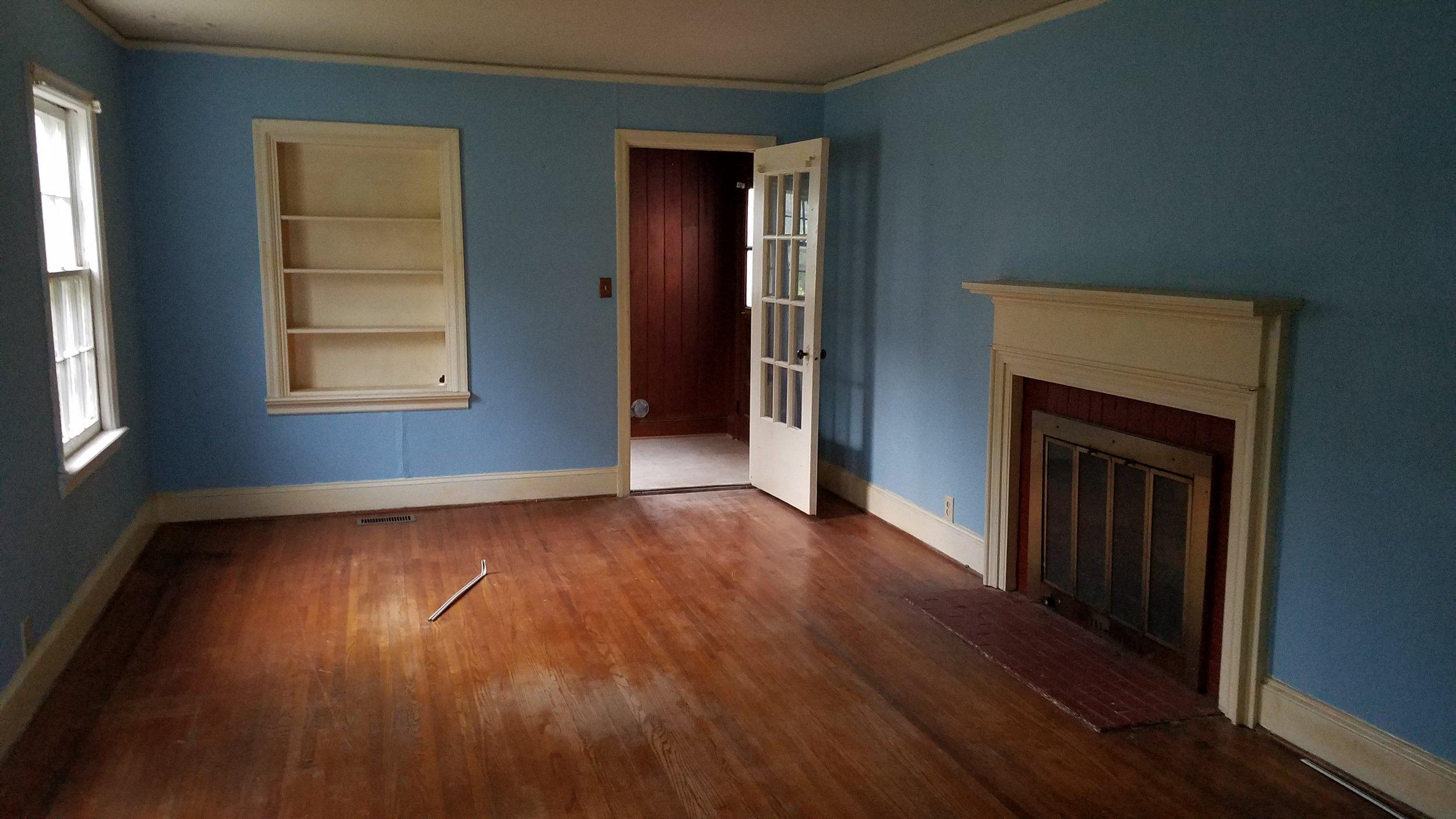 Haymount Homes Glenville Ave Living Room Before 1
