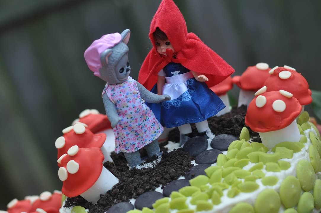 Haymount Homes Little Red Riding Hood Party Cake Mushroom 2.jpg