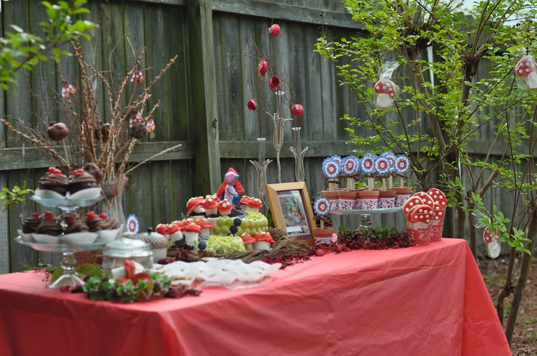 Haymount Homes Little Red Riding Hood Party Table Decor 2.jpg
