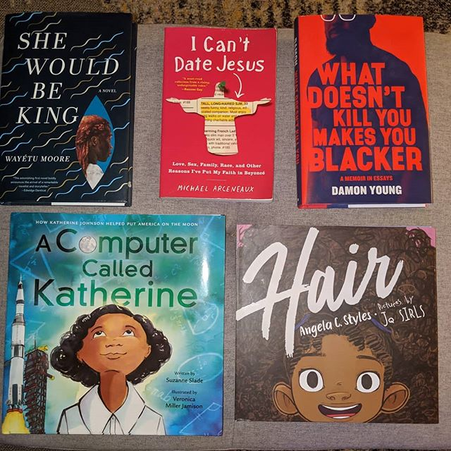 Looking for something great to read? I got you!  I can personally vouch for these titles not only because I read them, but because I know the folks who wrote the words.  Check these books out. (Well not at a library... Go buy them. :) )  P.S. You two are up next @yvonneorji and @ashabercrombie ! Hurry up already and drop those mixtapes... Errr books! 😄