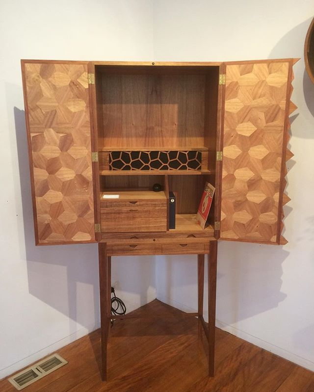 Tasmanian Blackwood drinks/records cabinet. #shift #sturtschoolforwood