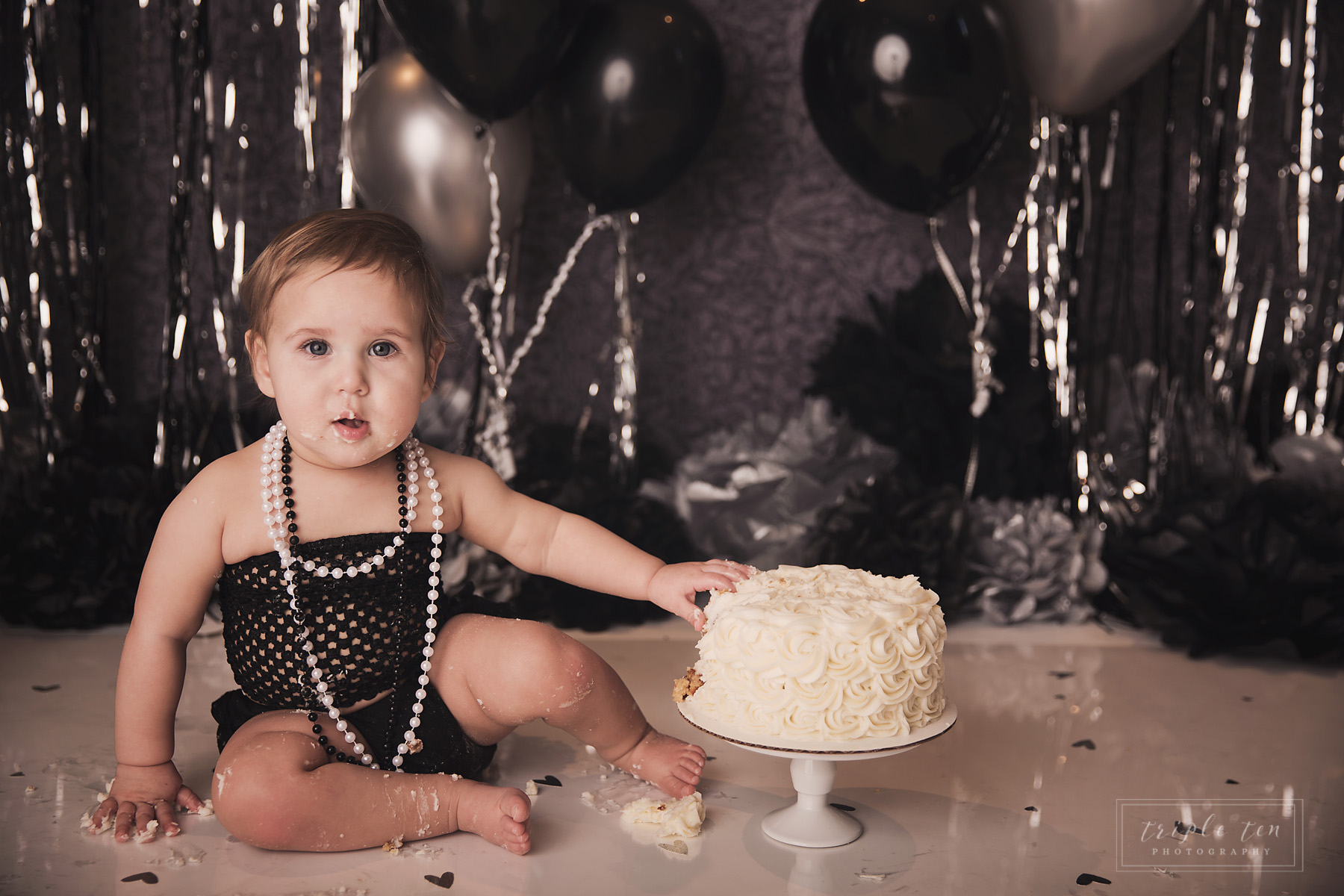 central alberta family photographer cake smash.jpg