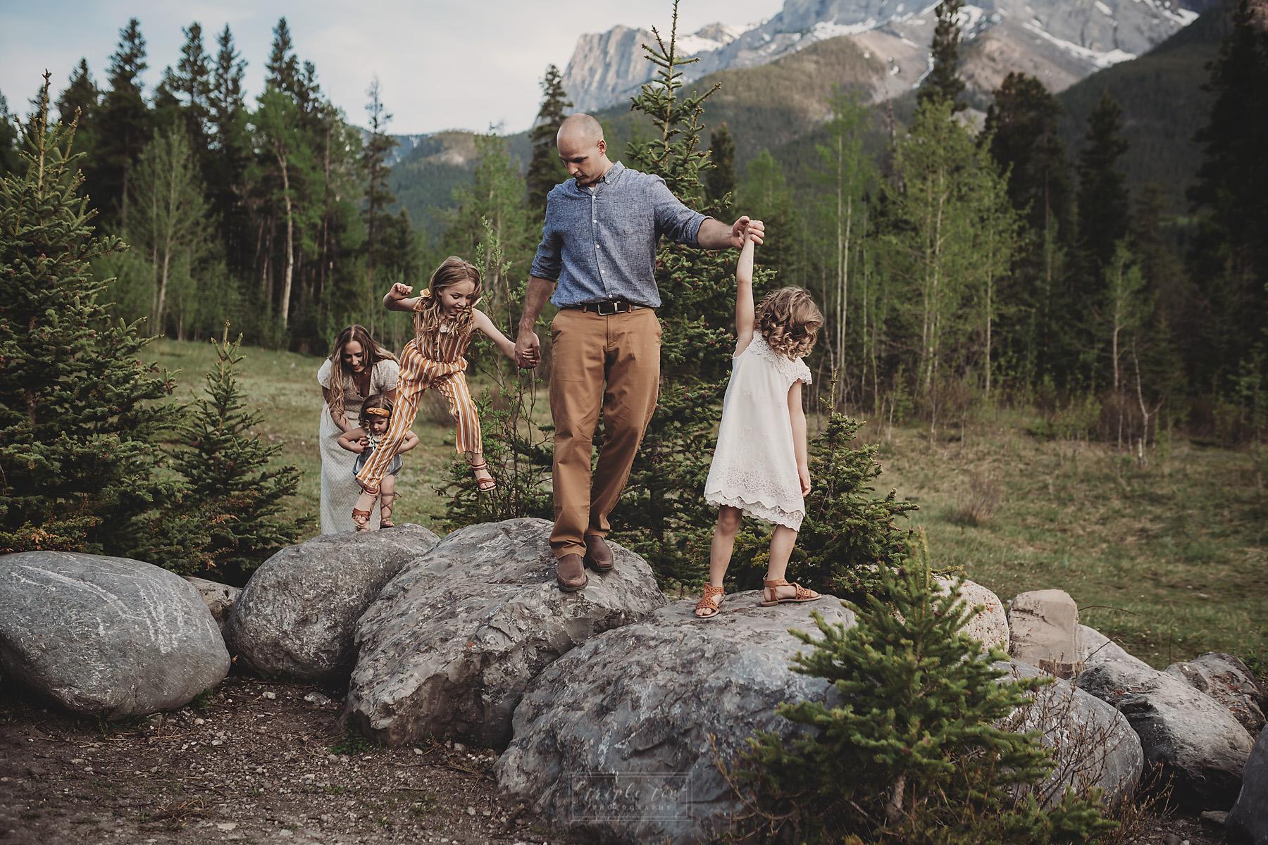 canmore alberta mountain family photographer.jpg