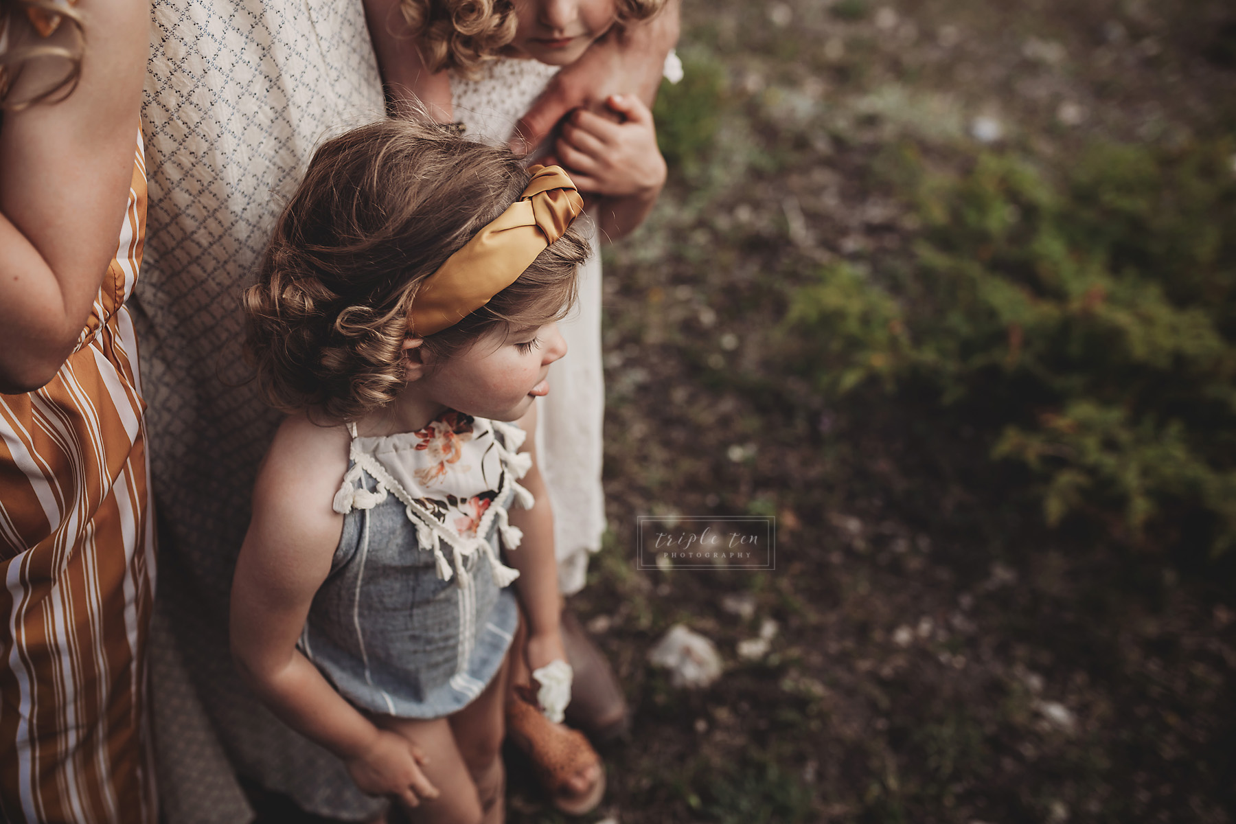 family photographer in canmore alberta.jpg