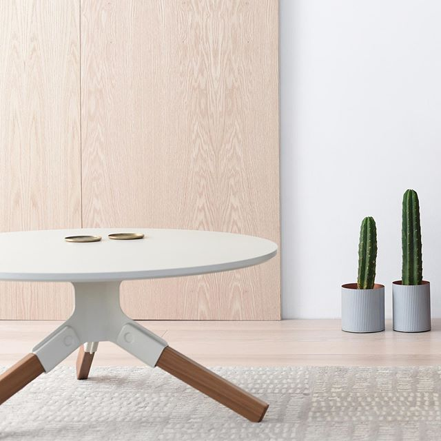Conrad coffee table in off white and solid walnut + Tokyo lamp and Poet bar stool.