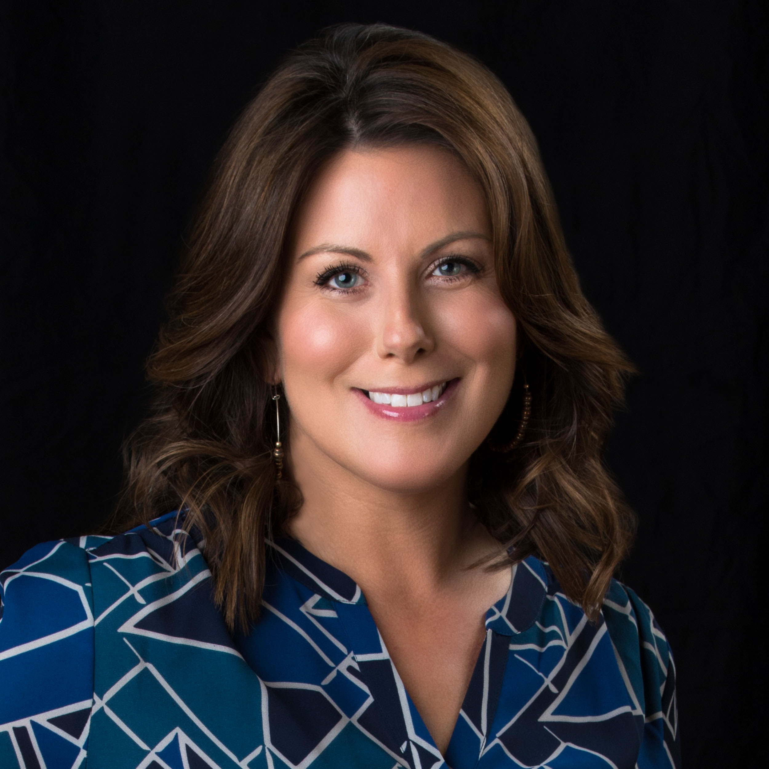 Jill Marinelli - Jill is a personal stylist, public speaker and style correspondent for CBS Providence's The Rhode Show. Focusing on body image, the power of personal style, and social science research, she teaches her audiences and clients how to look great, project confidence, and ultimately change their lives through their appearance.
