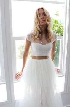 0f95f69343dd14402a03f92dece2f1b5--ivory-wedding-dresses-two-pieces-wedding-dress.jpg
