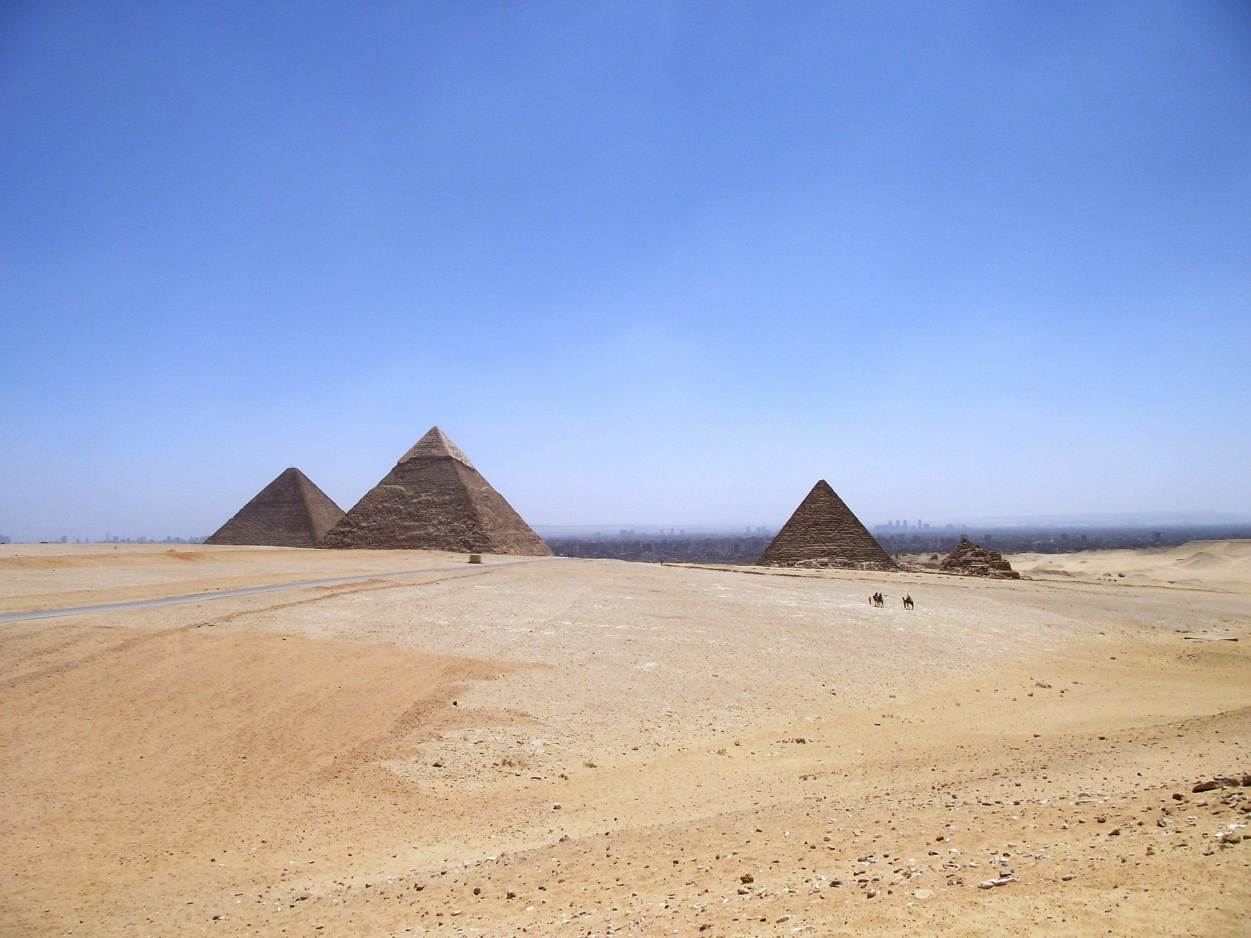 Egypt-Cairo-Pyramids-of-Giza-2.jpg