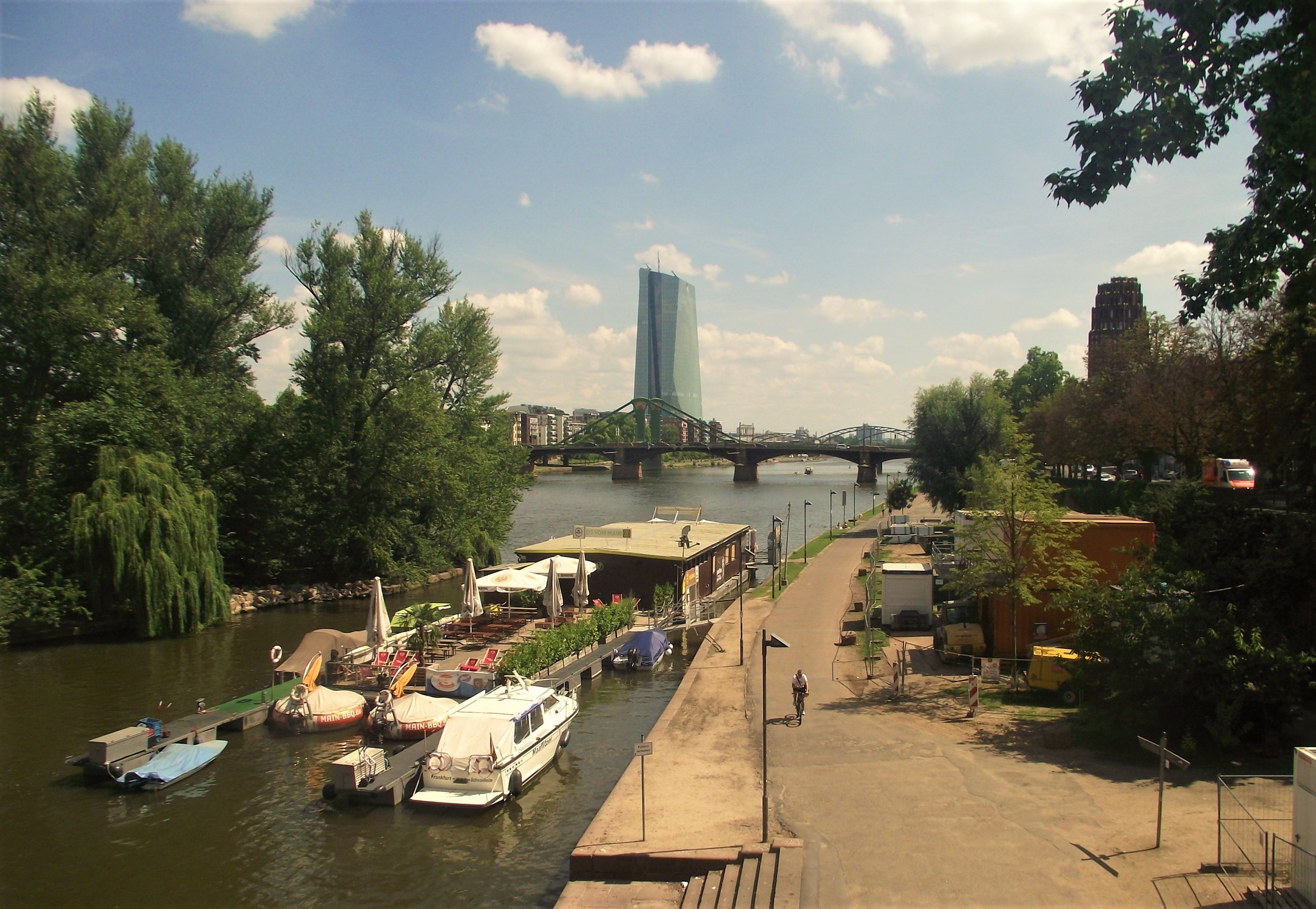 walking along the main river a central part to see if you only have 24 hours in Frankfurt