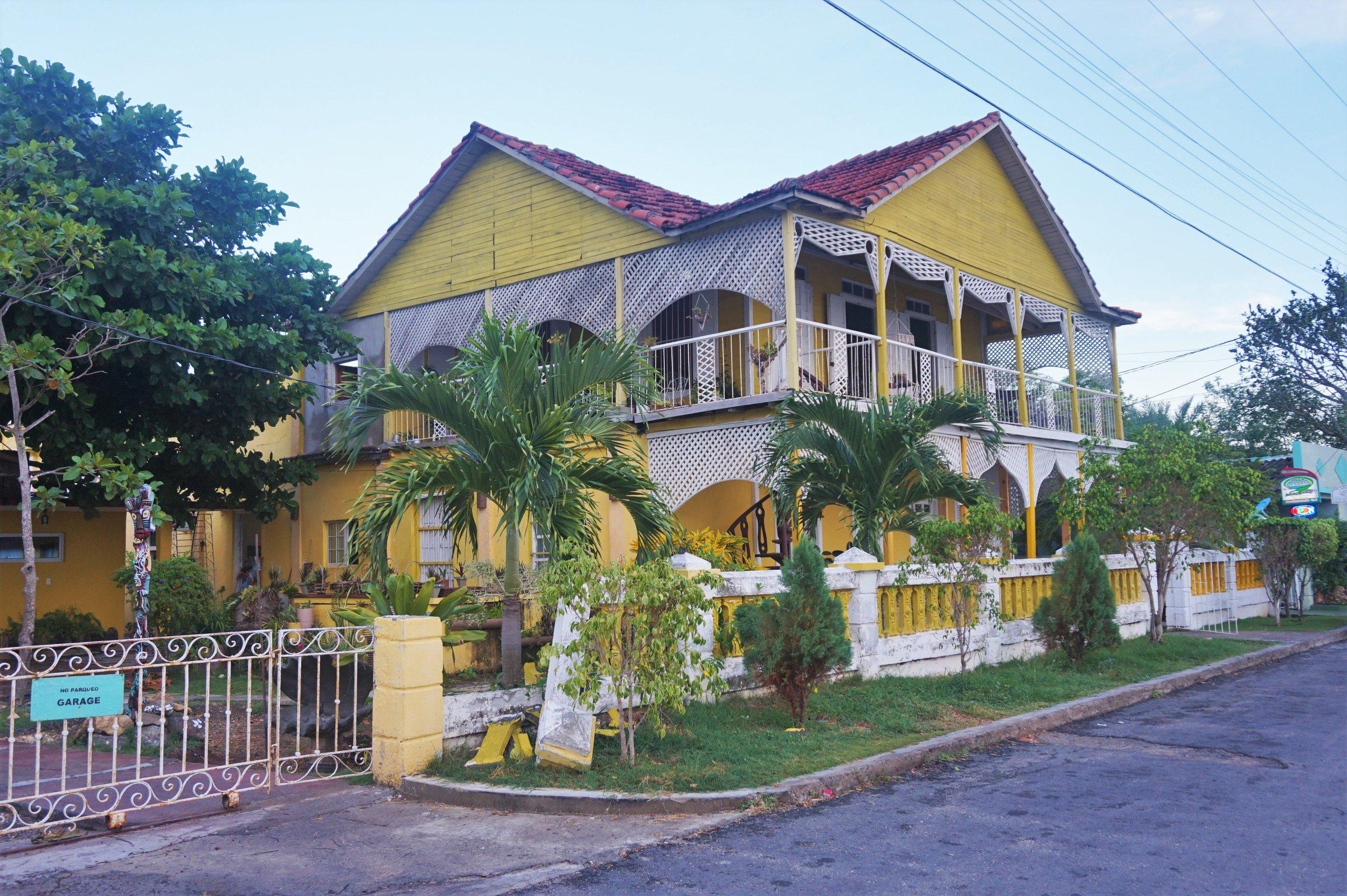 cheap accommodation Cuba-min.JPG