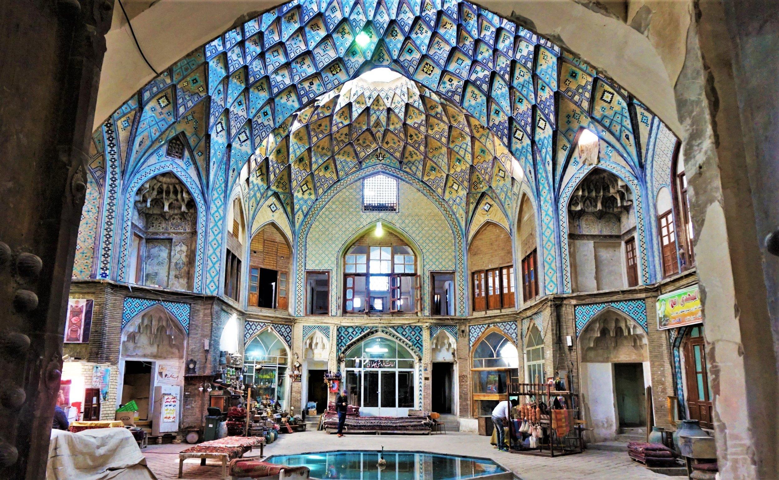 independent travel in Iran visiting the Kashan bazaar