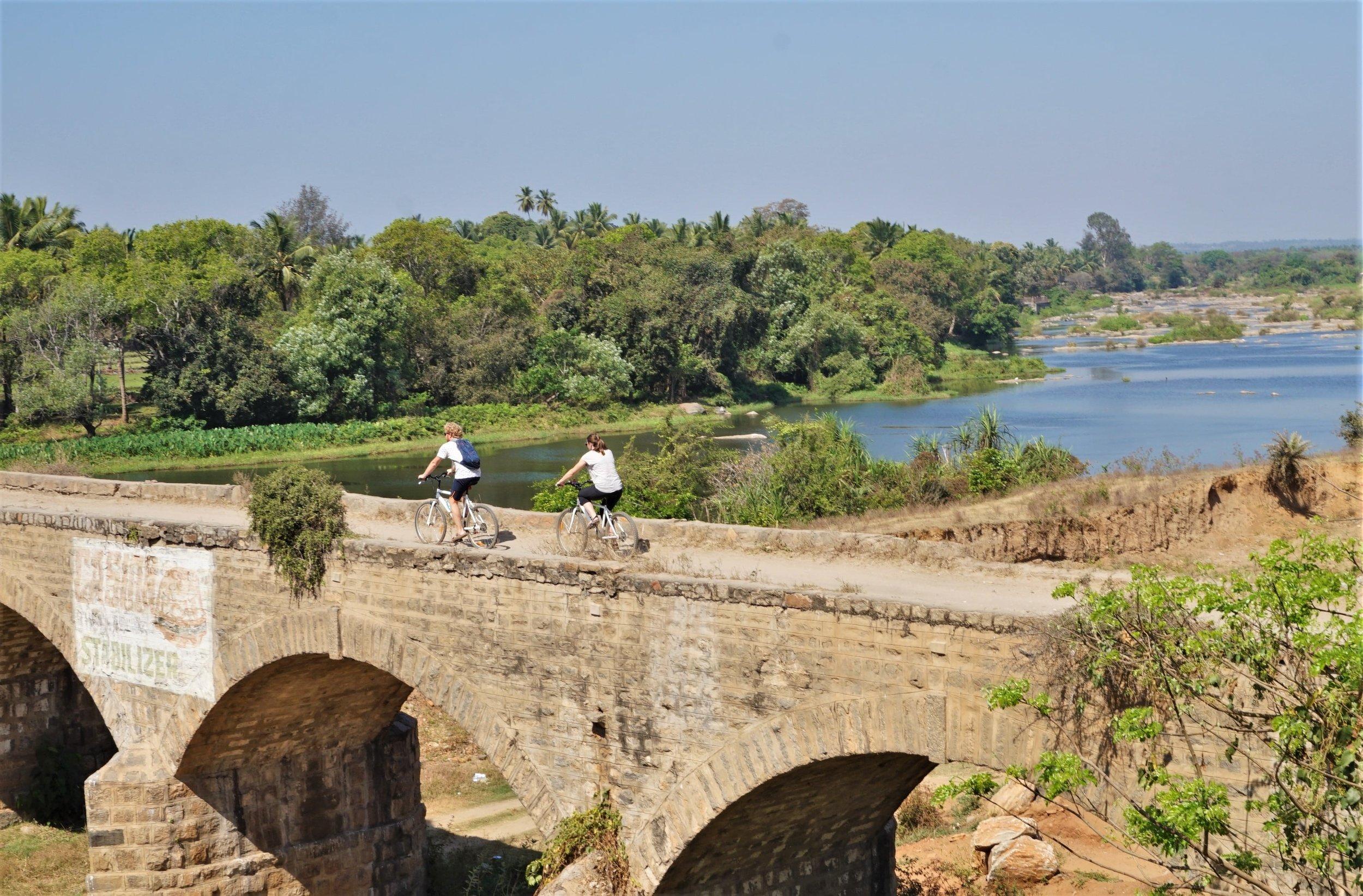 Explore the region around Mysore by bike!