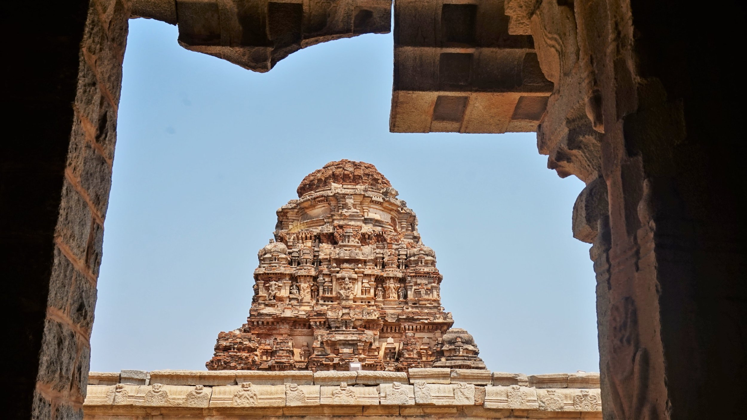 The ruins in Hampi are one of the best things to do in Hampi.