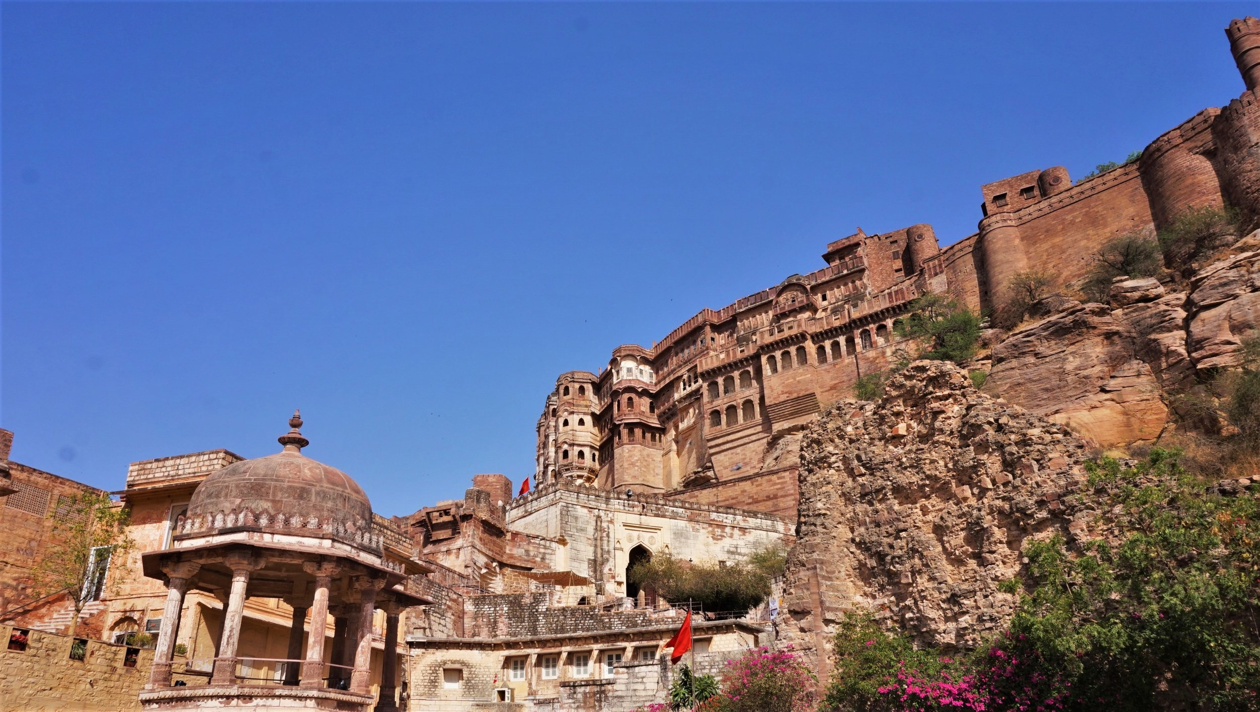 Jodhpur Fort is a very beautiful old structure and is one of the best things to do in Rajasthan.