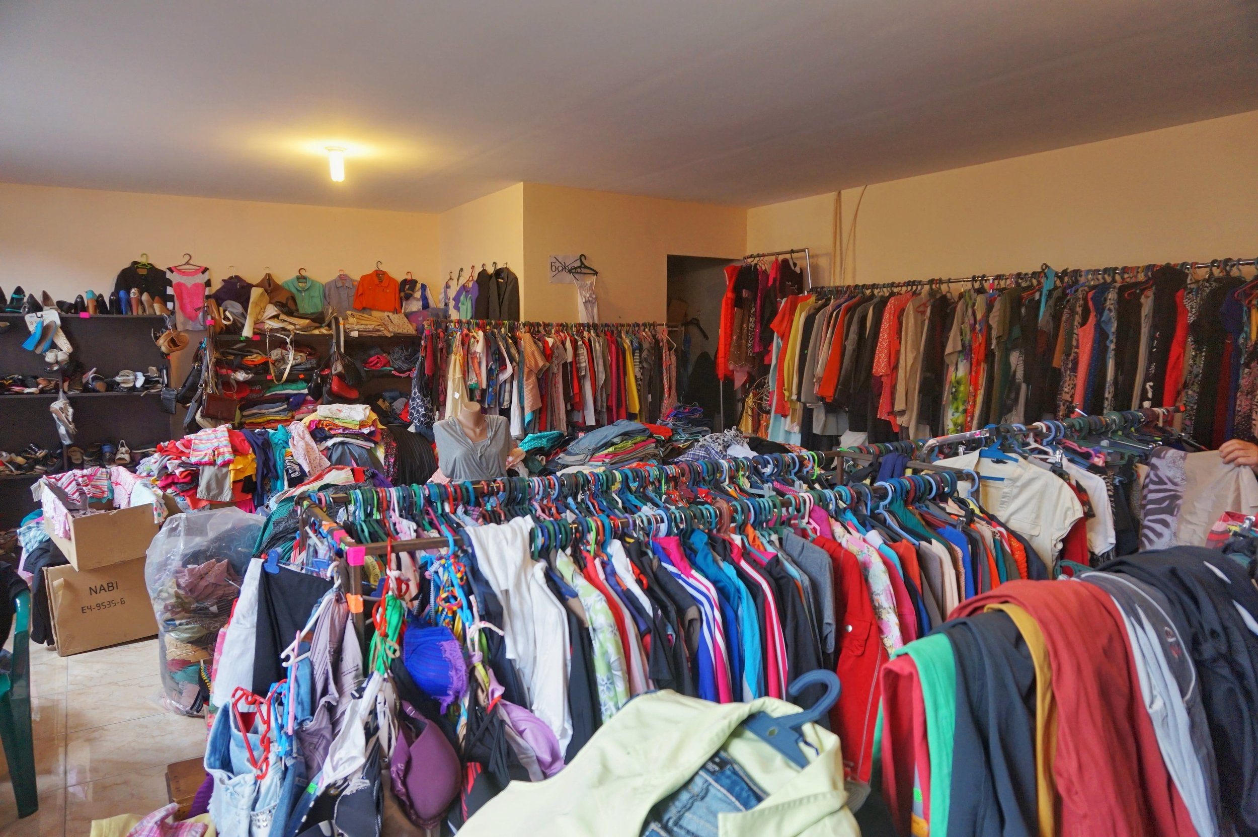 Go second hand shopping on your day trip in Gori