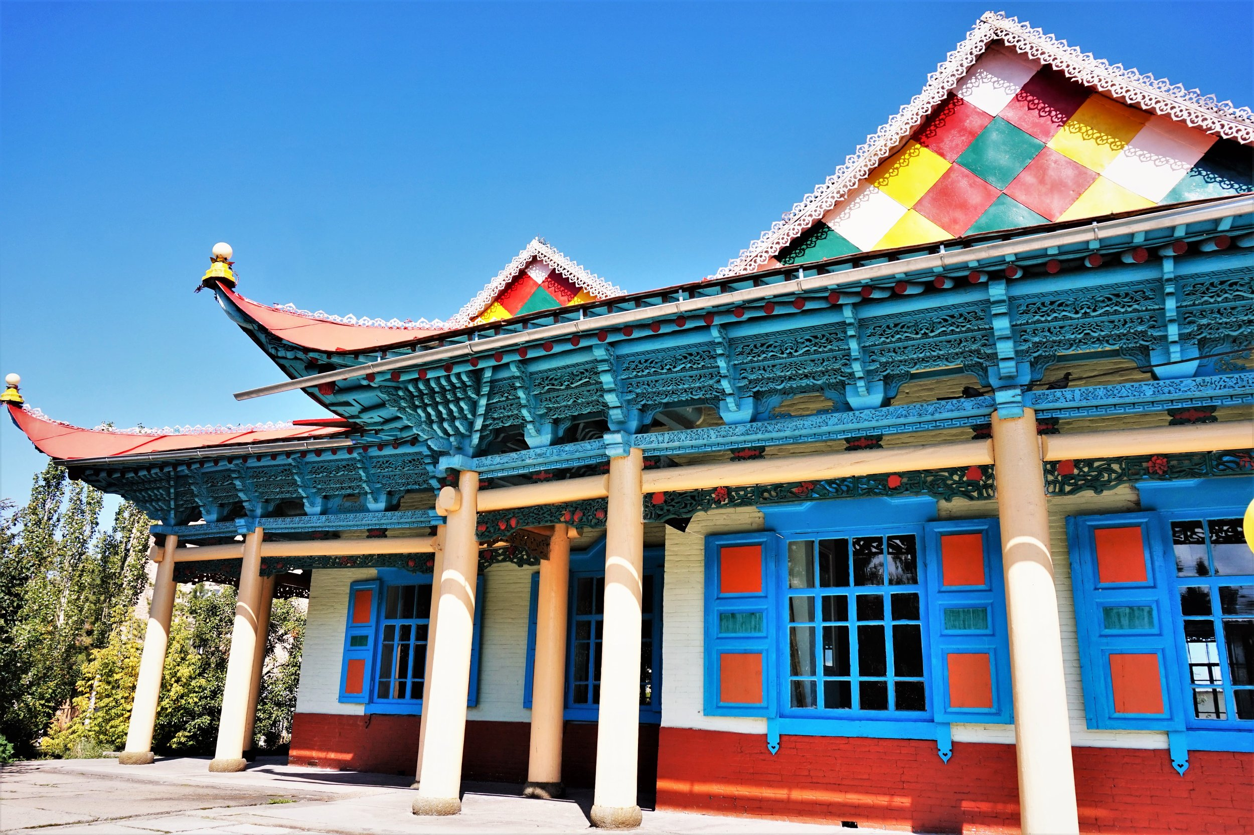 The Dungan temple in Karakol is one of the best things to see in Kyrgyzstan. Awesome things to do in Kyrgyzstan!