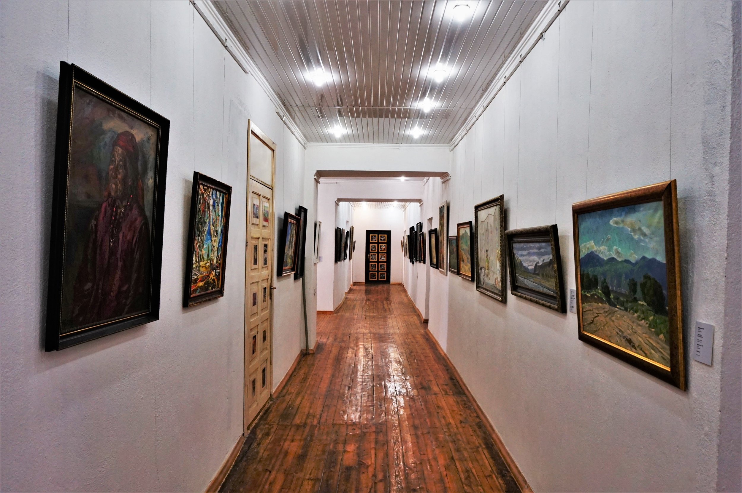 There is a great modern art museum at the south shore of the Issyk-Kul lake wiche is one of the most awesome things to do in Kyrgyzstan.